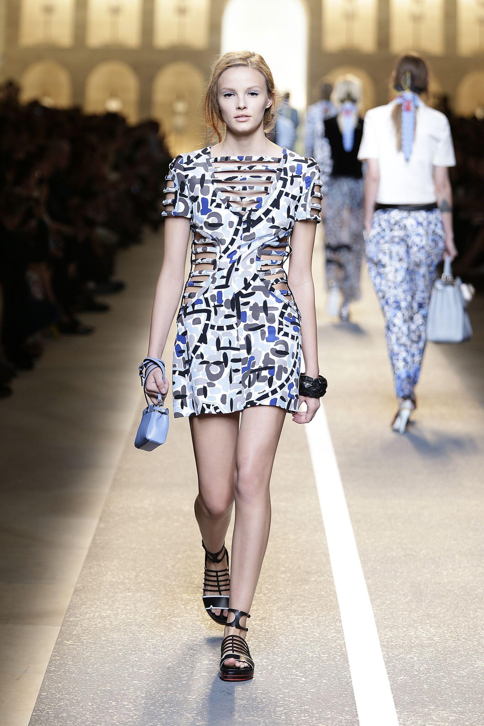 Catwalk Fendi Woman Fashion Show Summer 2015