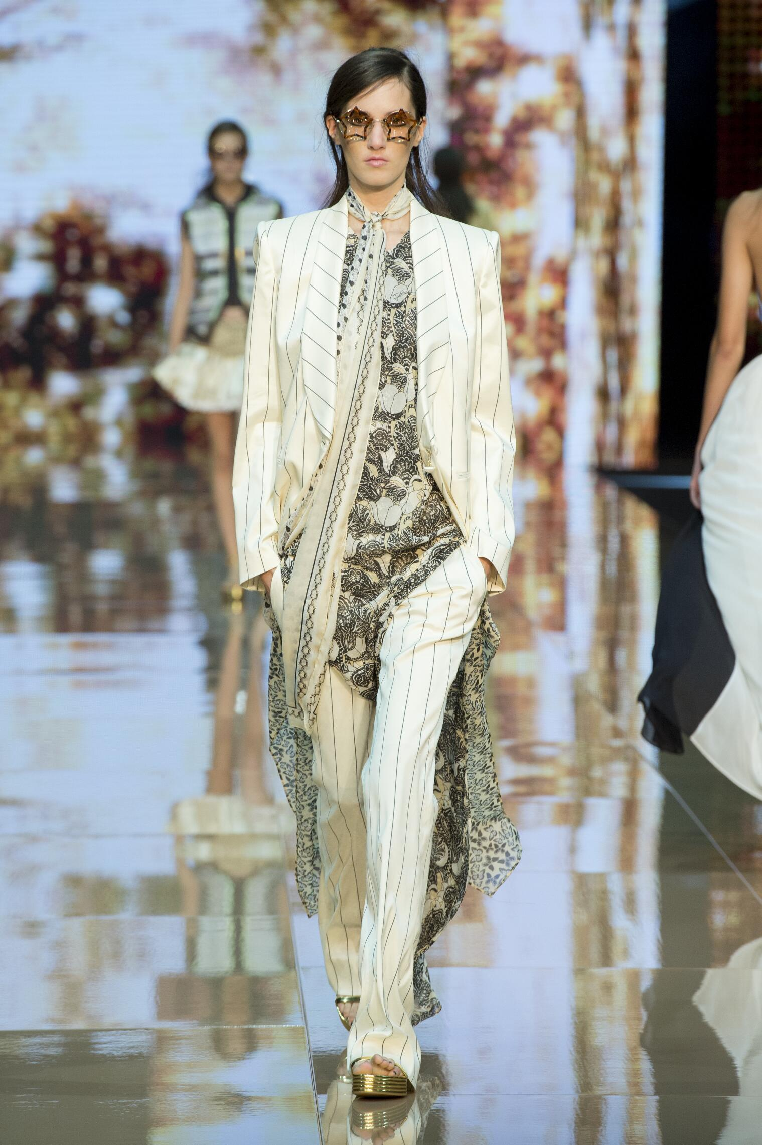 Catwalk Just Cavalli Woman Fashion Show Summer 2015
