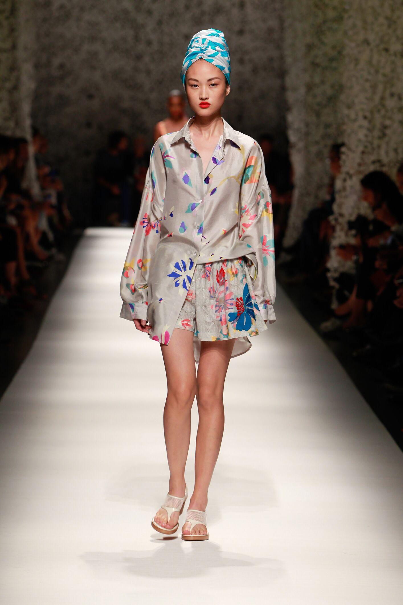 Catwalk Missoni Woman Fashion Show Summer 2015