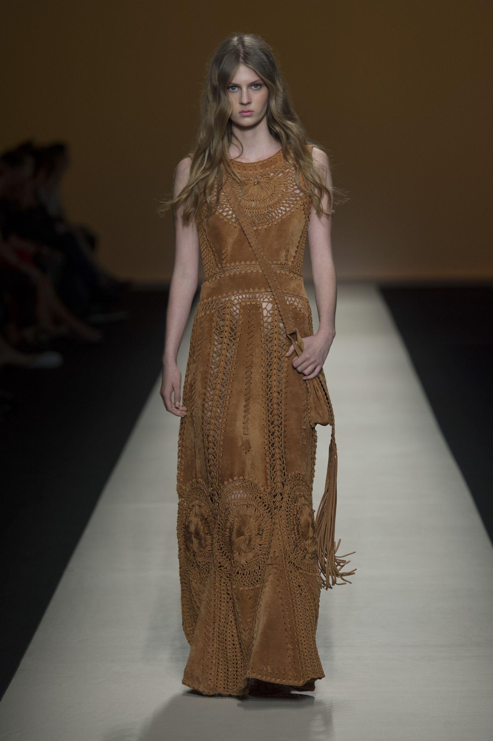 Fashion 2015 Catwalk Alberta Ferretti Summer