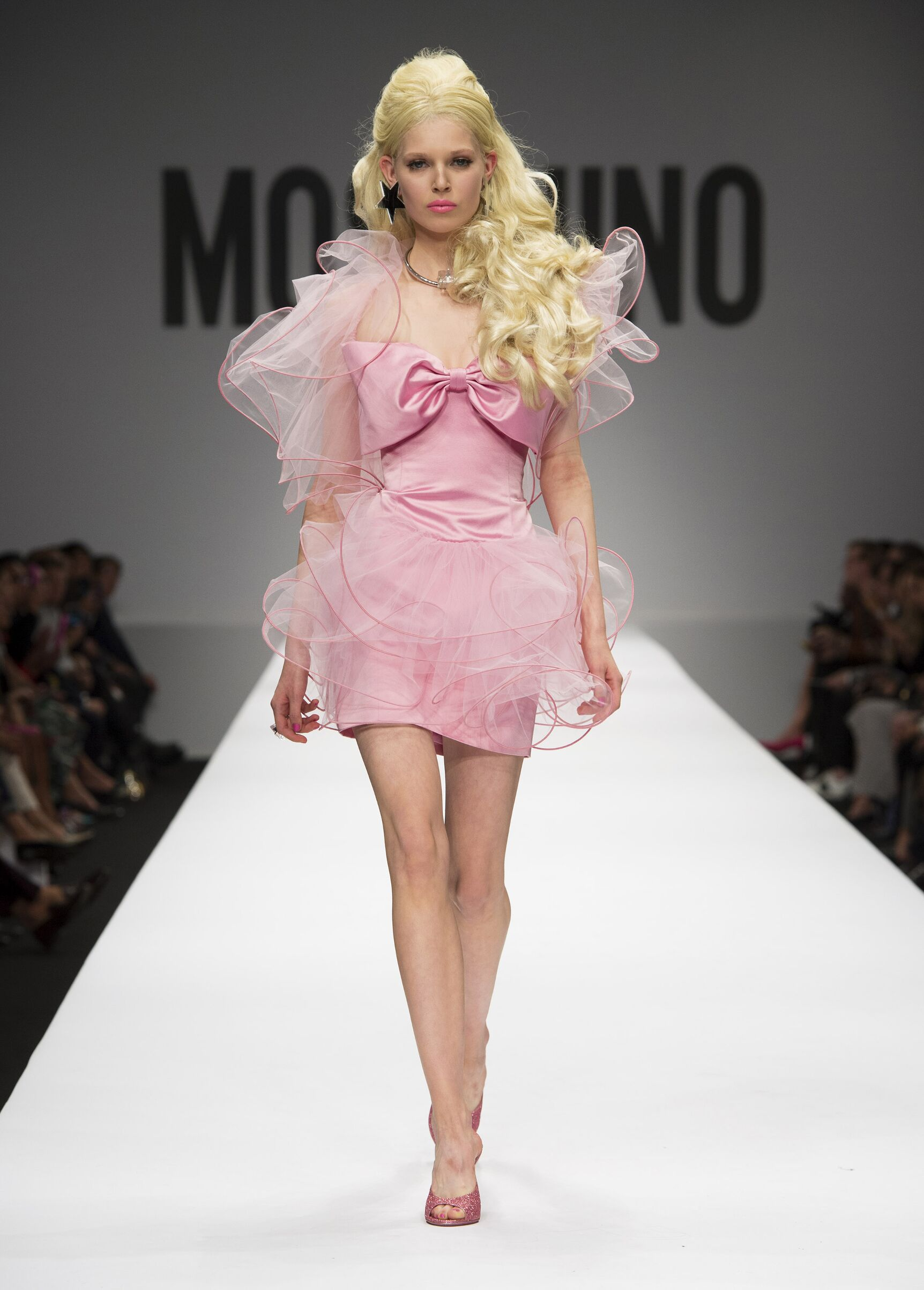 Fashion 2015 Catwalk Moschino Summer