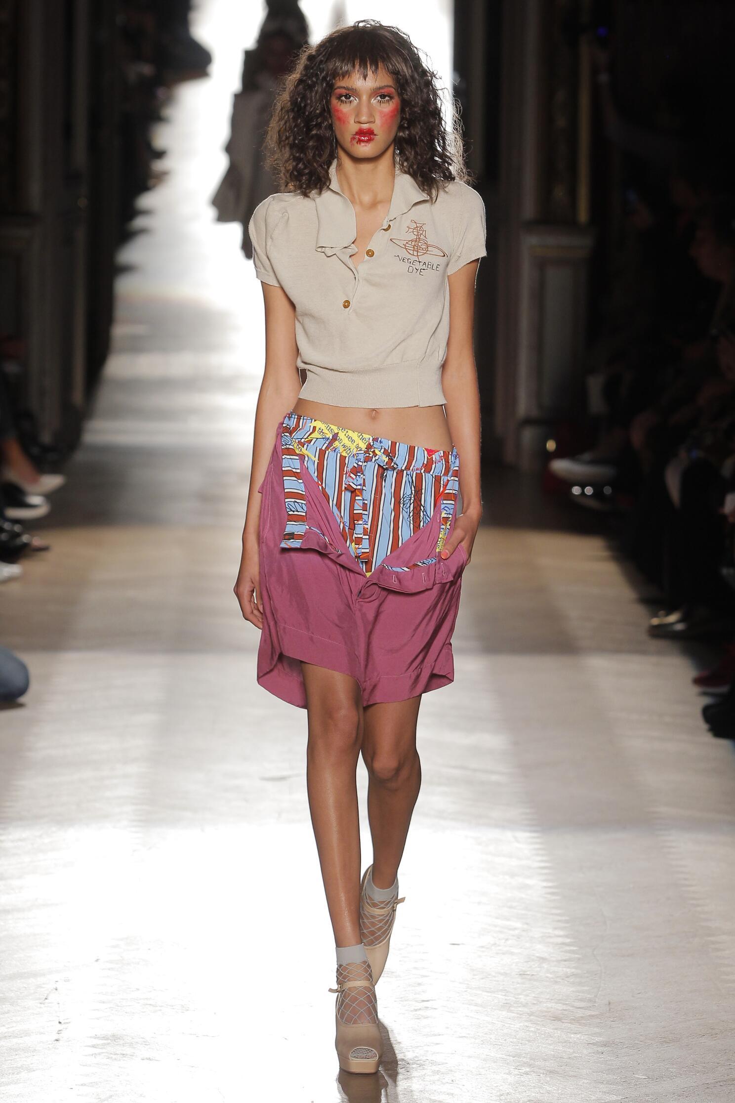 Fashion 2015 Catwalk Vivienne Westwood Gold Label Summer