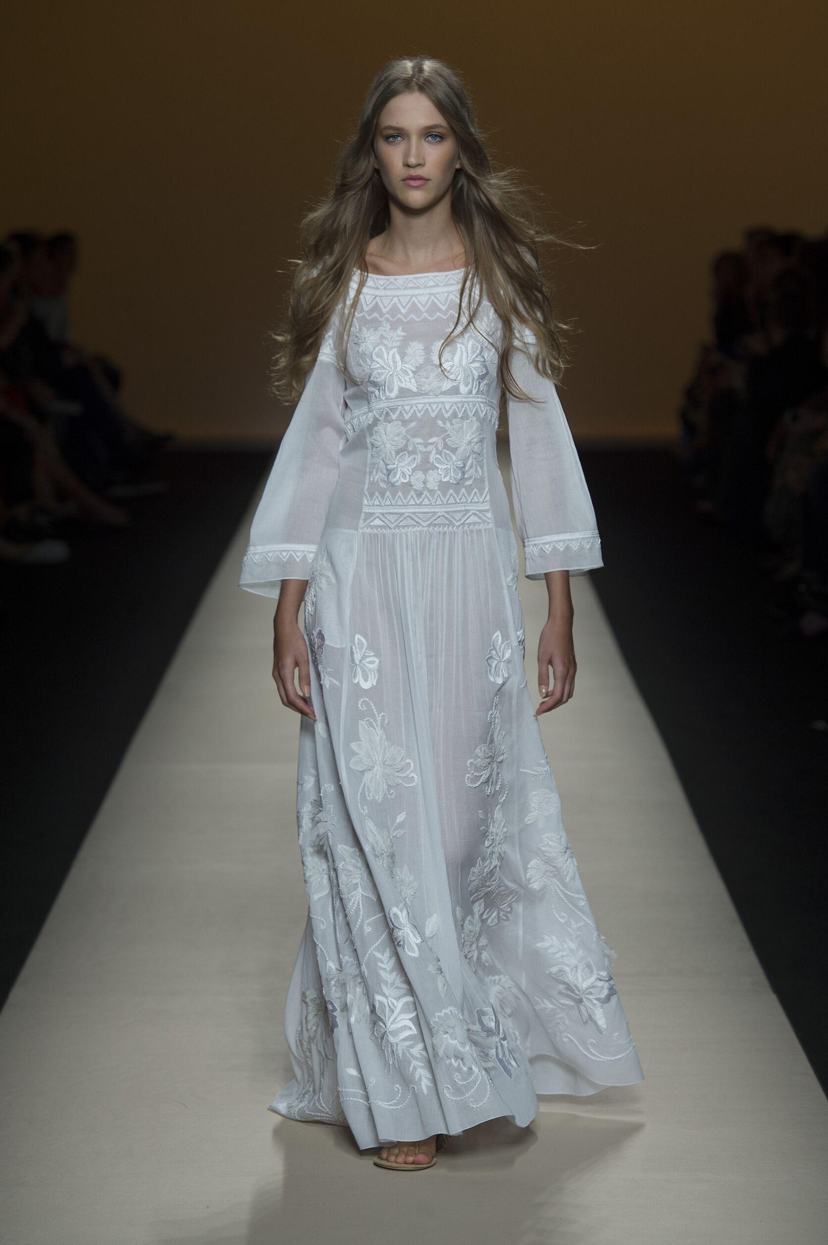 Fashion 2015 Woman Style Alberta Ferretti