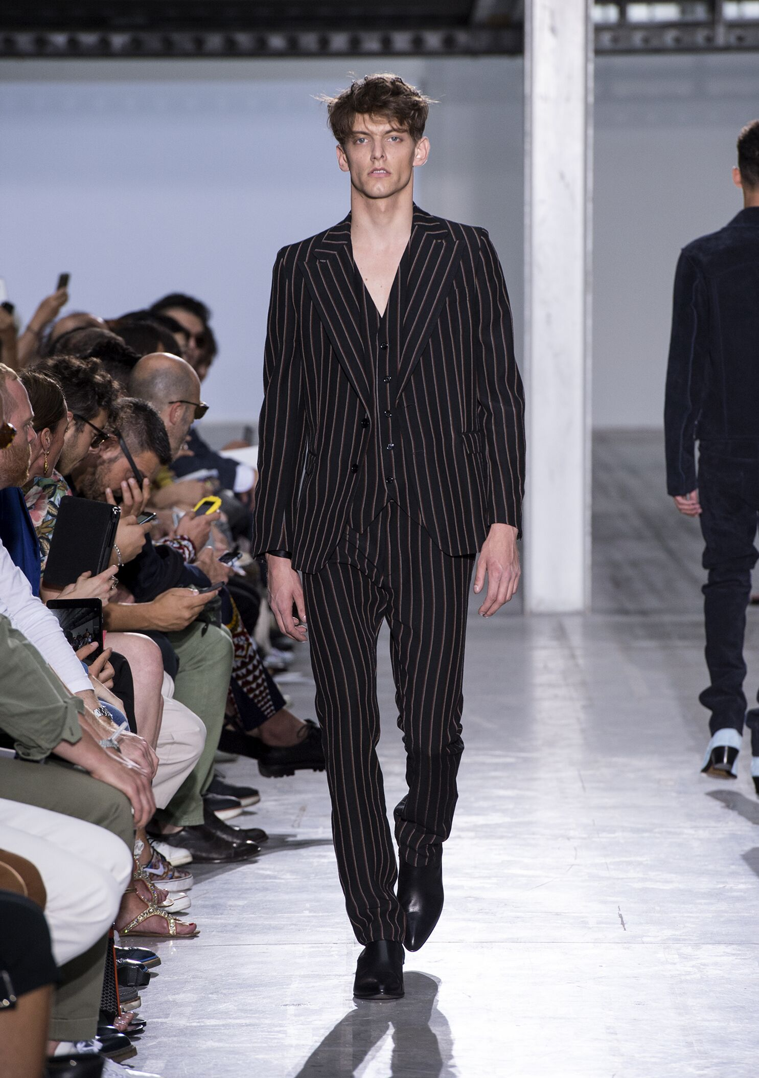 Fashion Model Costume National Homme Catwalk