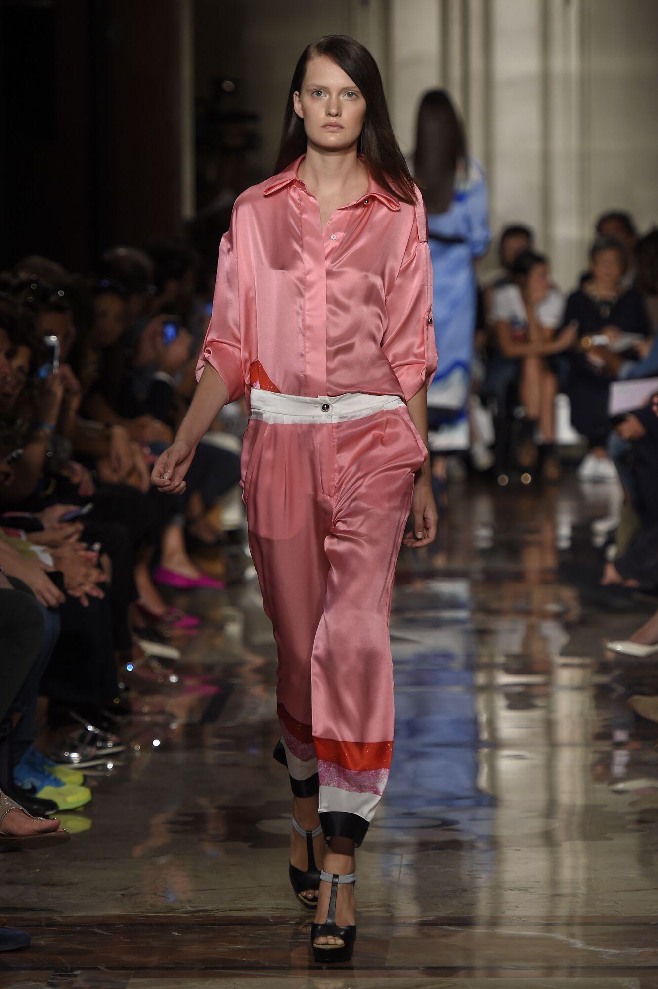 Fashion Woman Model Andrea Incontri Catwalk