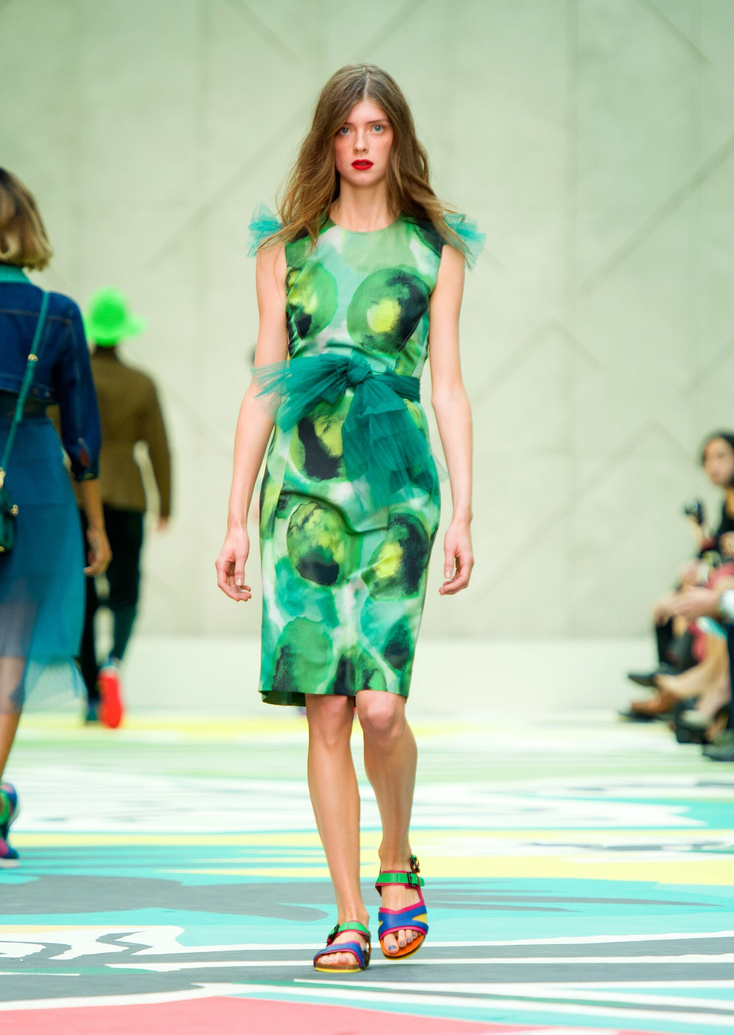 Fashion Woman Model Burberry Prorsum Catwalk