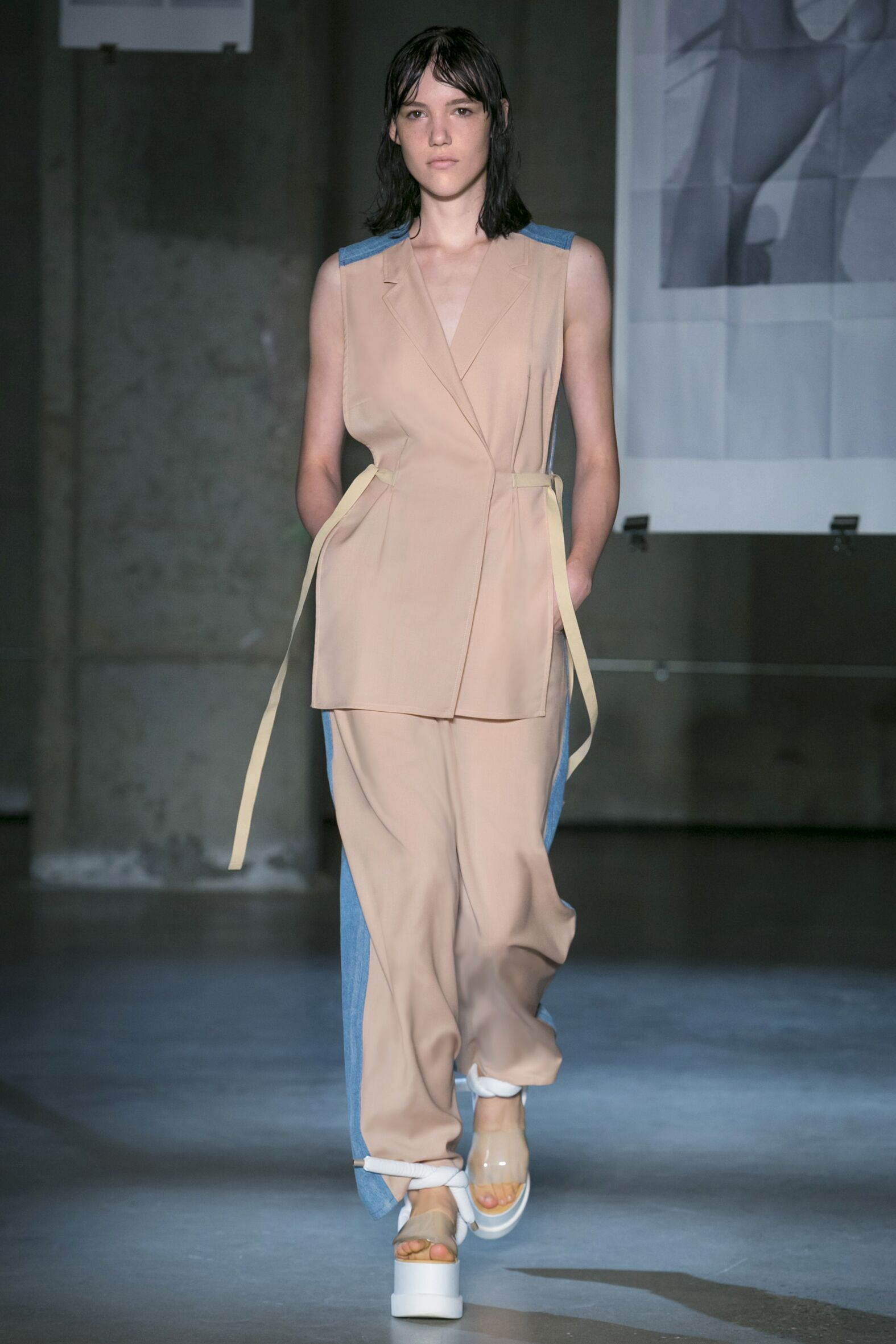 Fashion Woman Model MM6 Maison Martin Margiela Catwalk