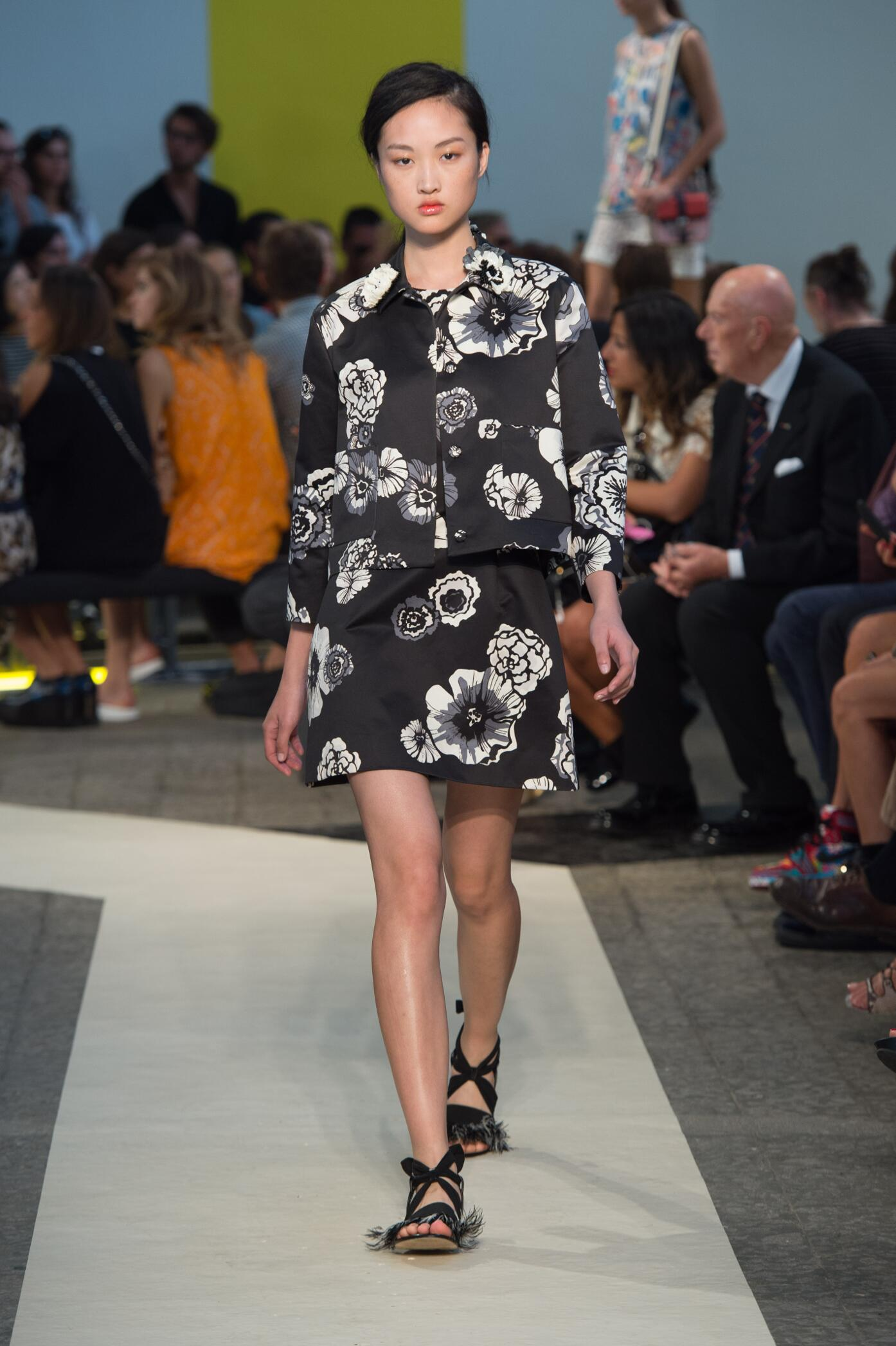 Fashion Woman Model Msgm Catwalk