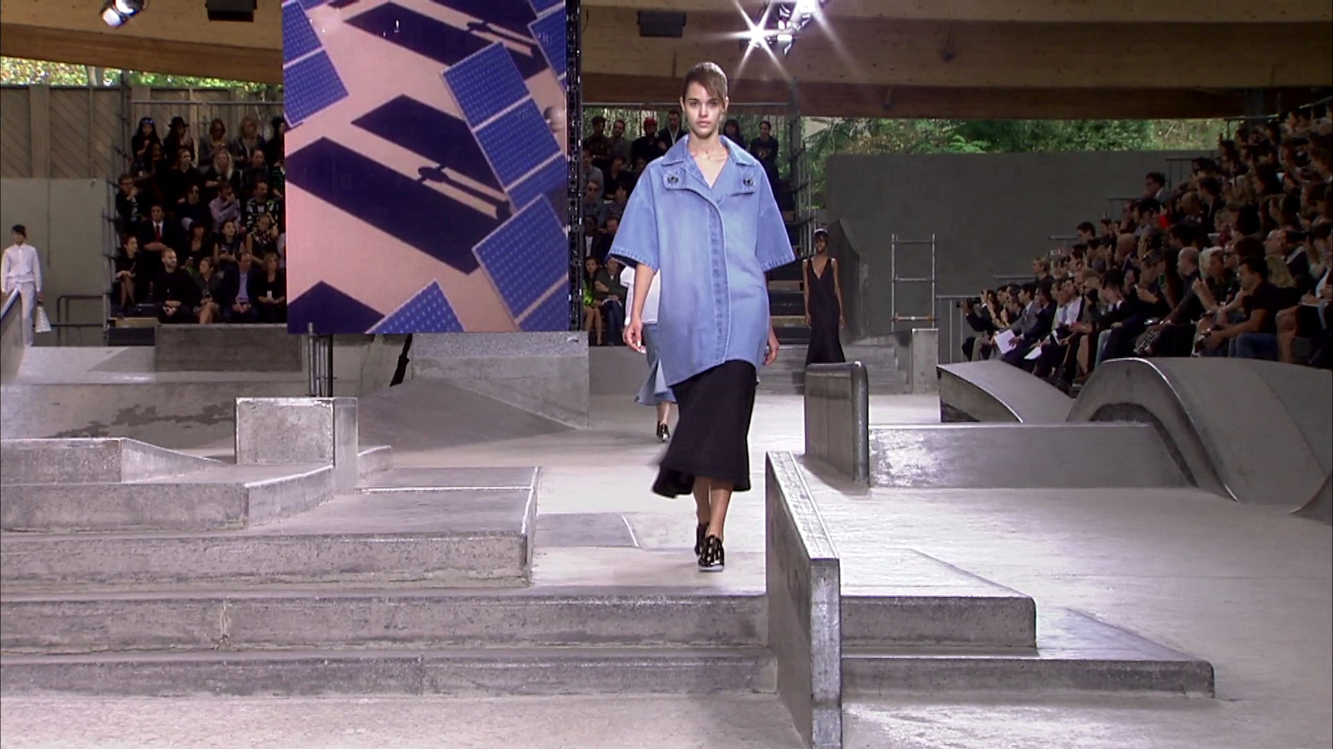 Kenzo Spring Summer 2015 Women's Fashion Show - Paris Fashion Week