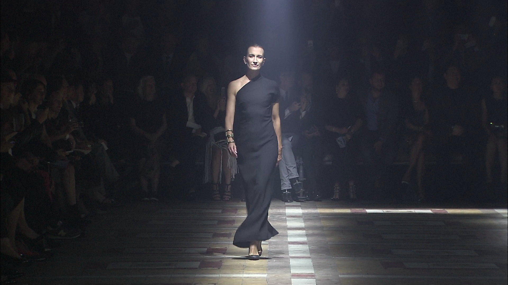 Lanvin Spring Summer 2015 Women's Fashion Show - Paris Fashion Week