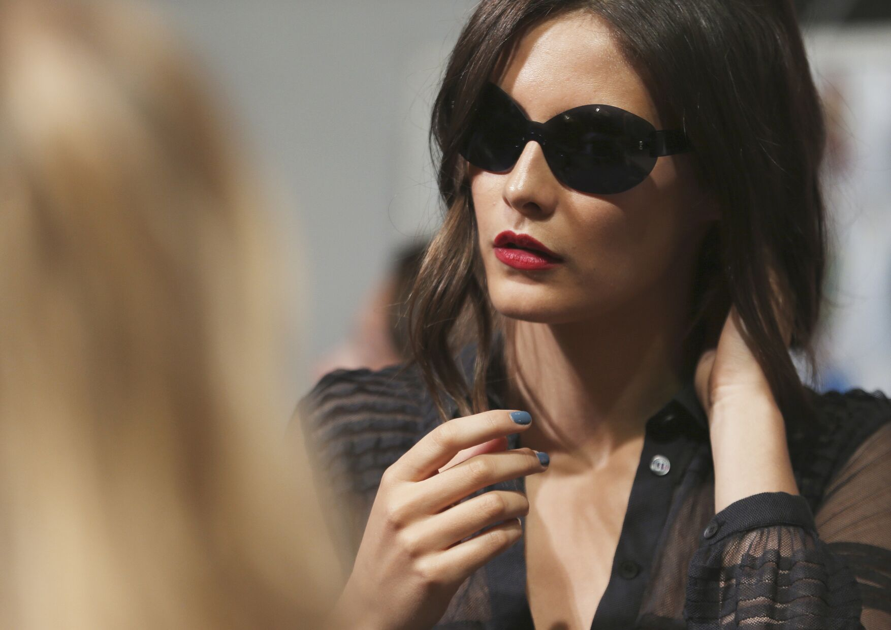 Model Backstage Burberry Prorsum Fashion Show