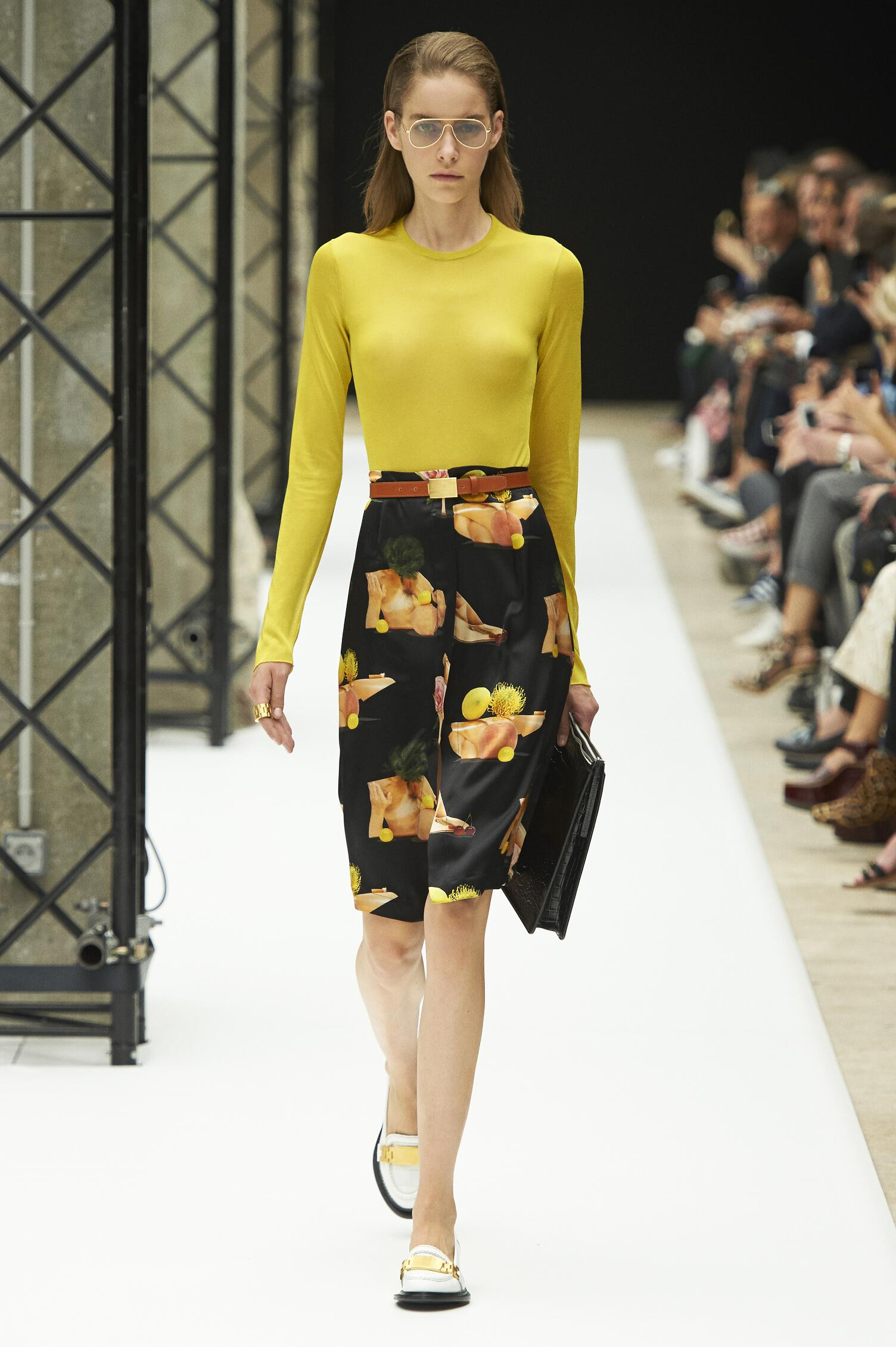 Runway Acne Studios Spring Summer 2015 Women's Collection Paris Fashion Week