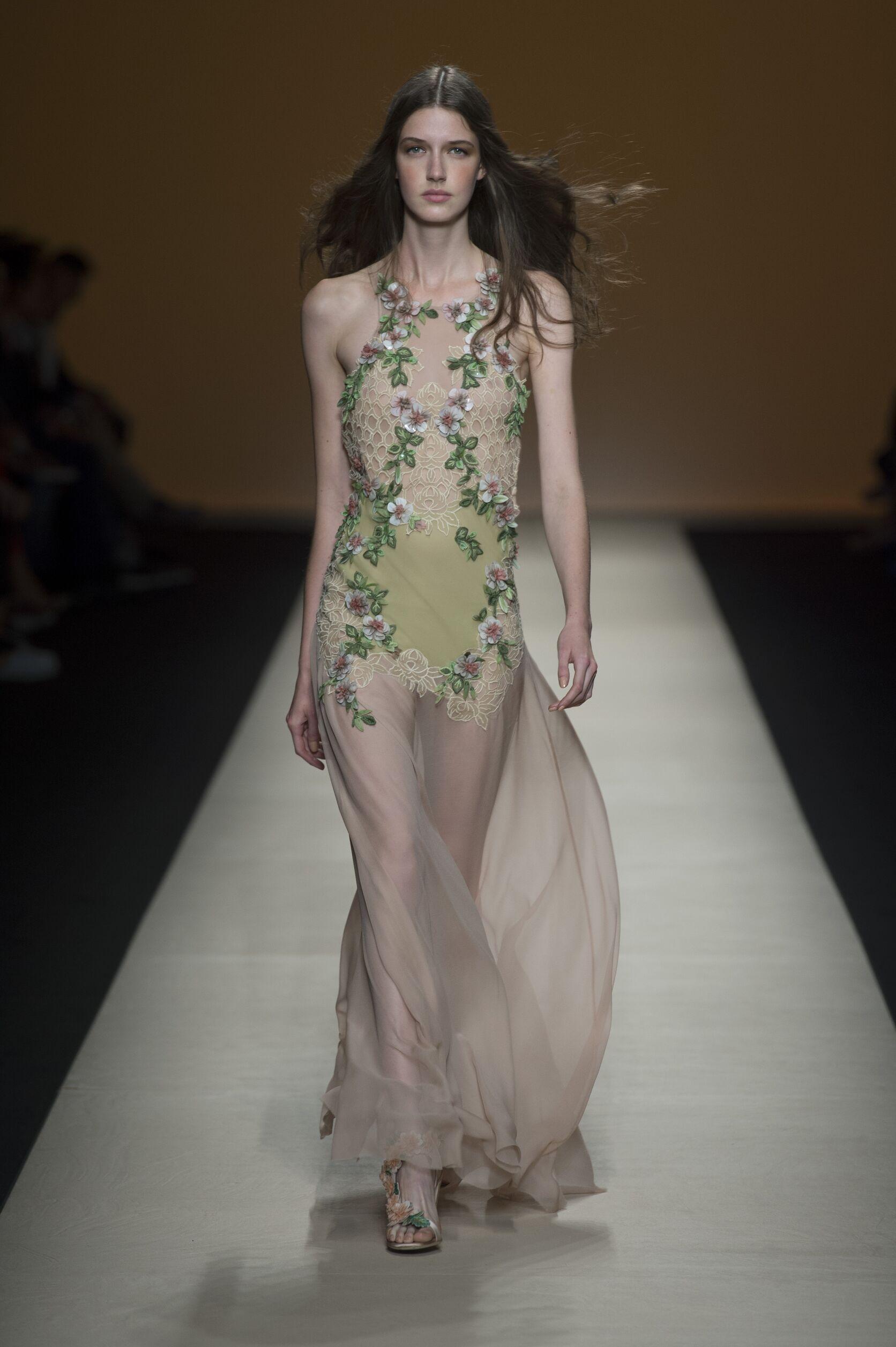 Runway Alberta Ferretti Spring Summer 2015 Women's Collection Milan Fashion Week
