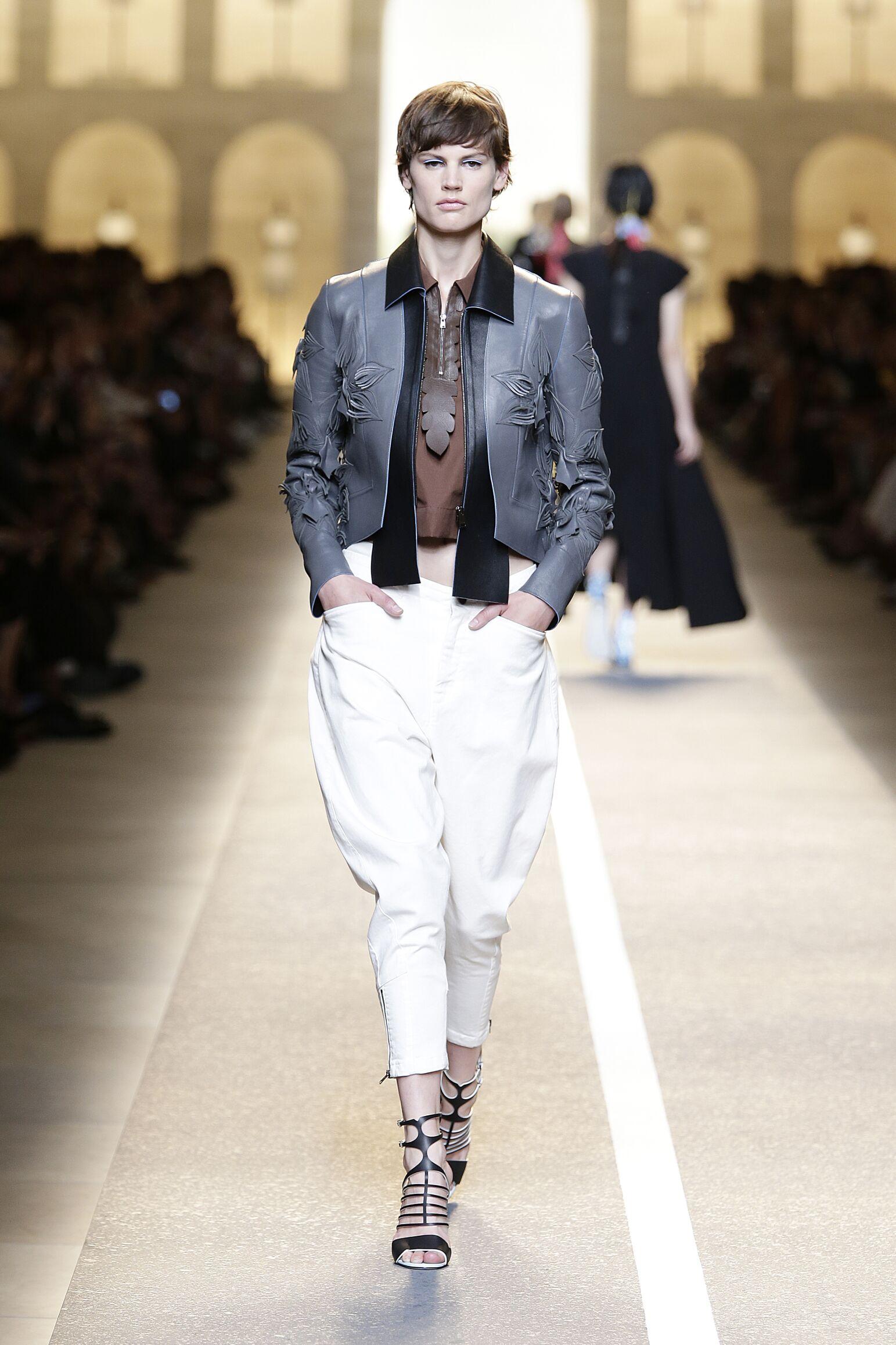 Runway Fendi Summer 2015 Women's Collection Milan Fashion Week