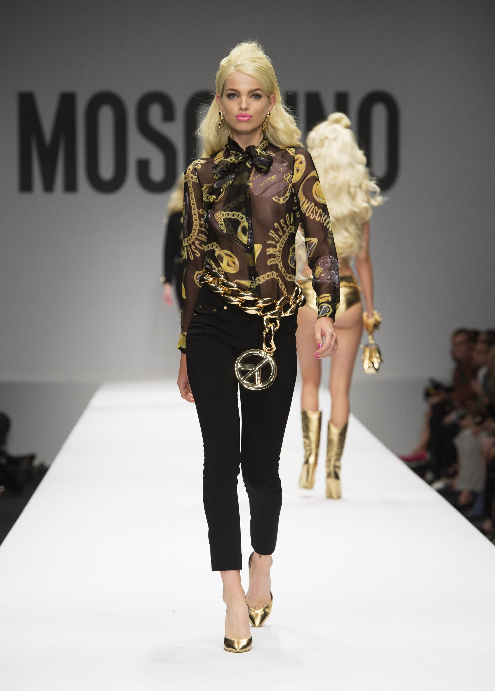 SS 2015 Moschino Fashion Show