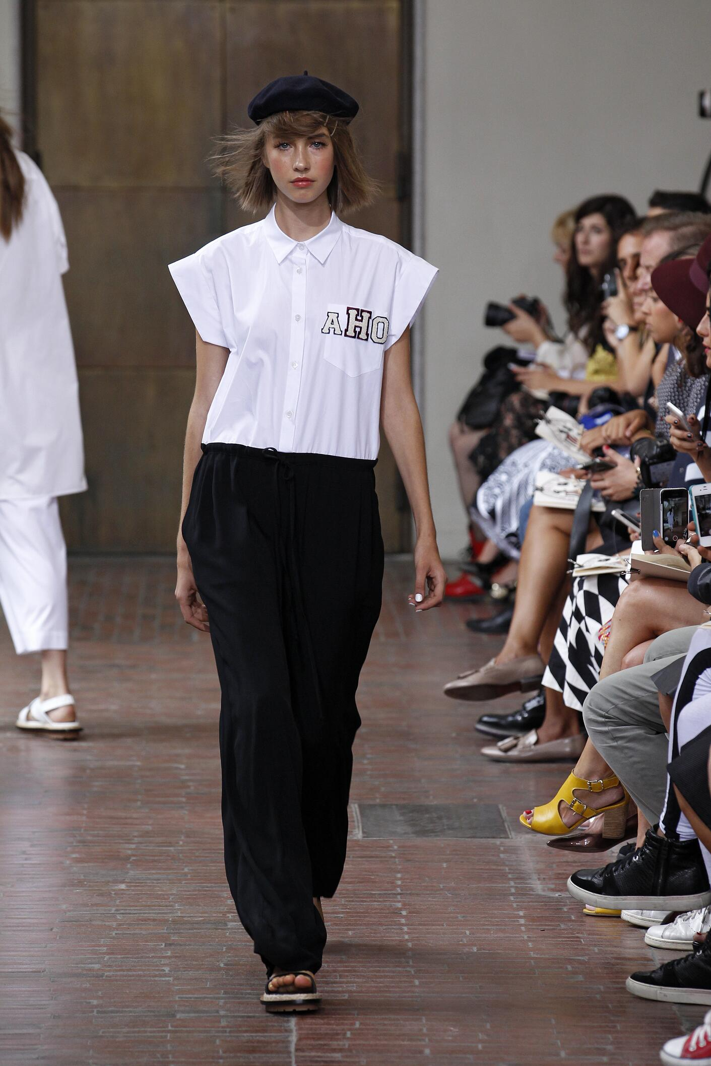 Spring 2015 Woman Fashion Show I'm Isola Marras
