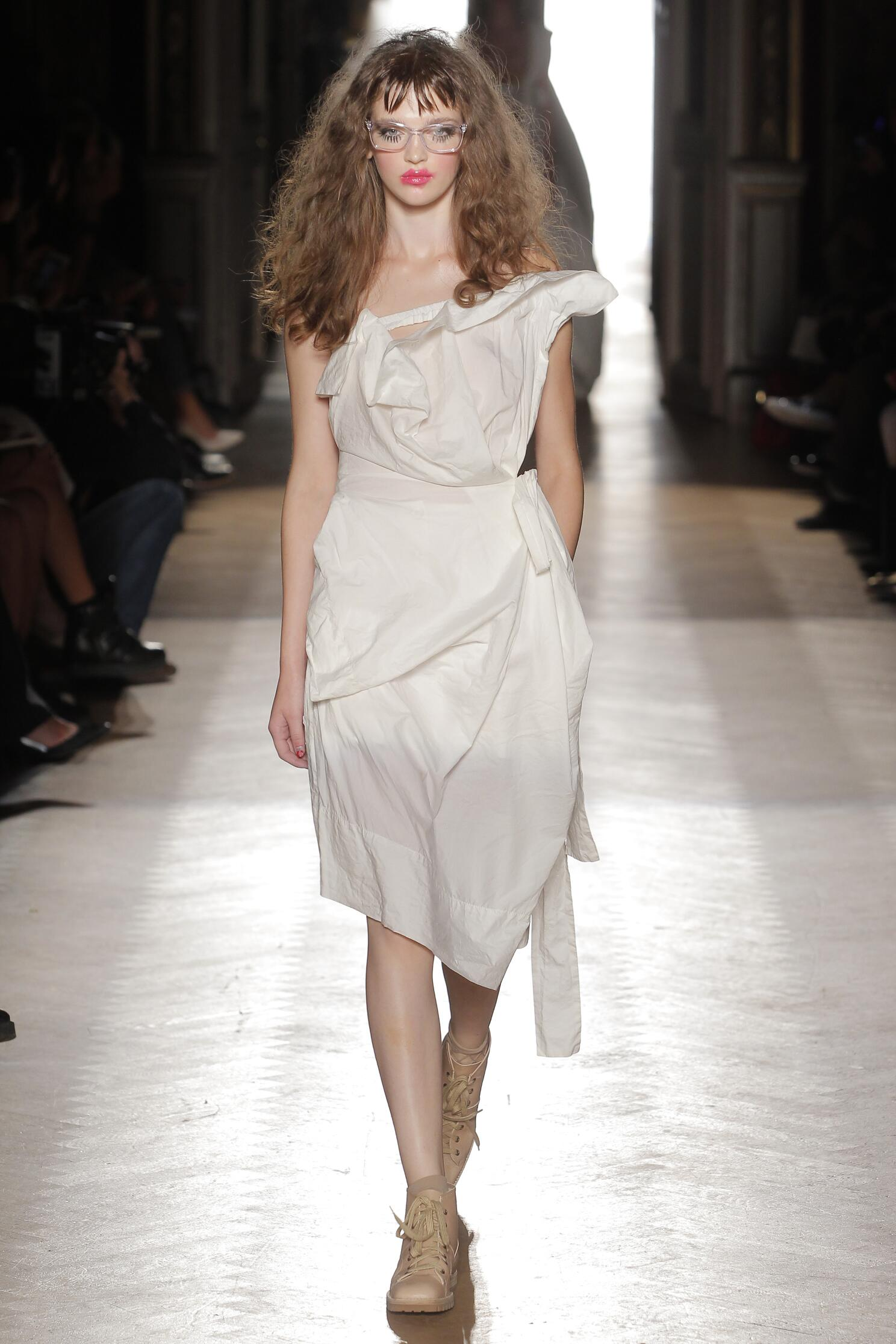 Spring 2015 Woman Fashion Show Vivienne Westwood Gold Label