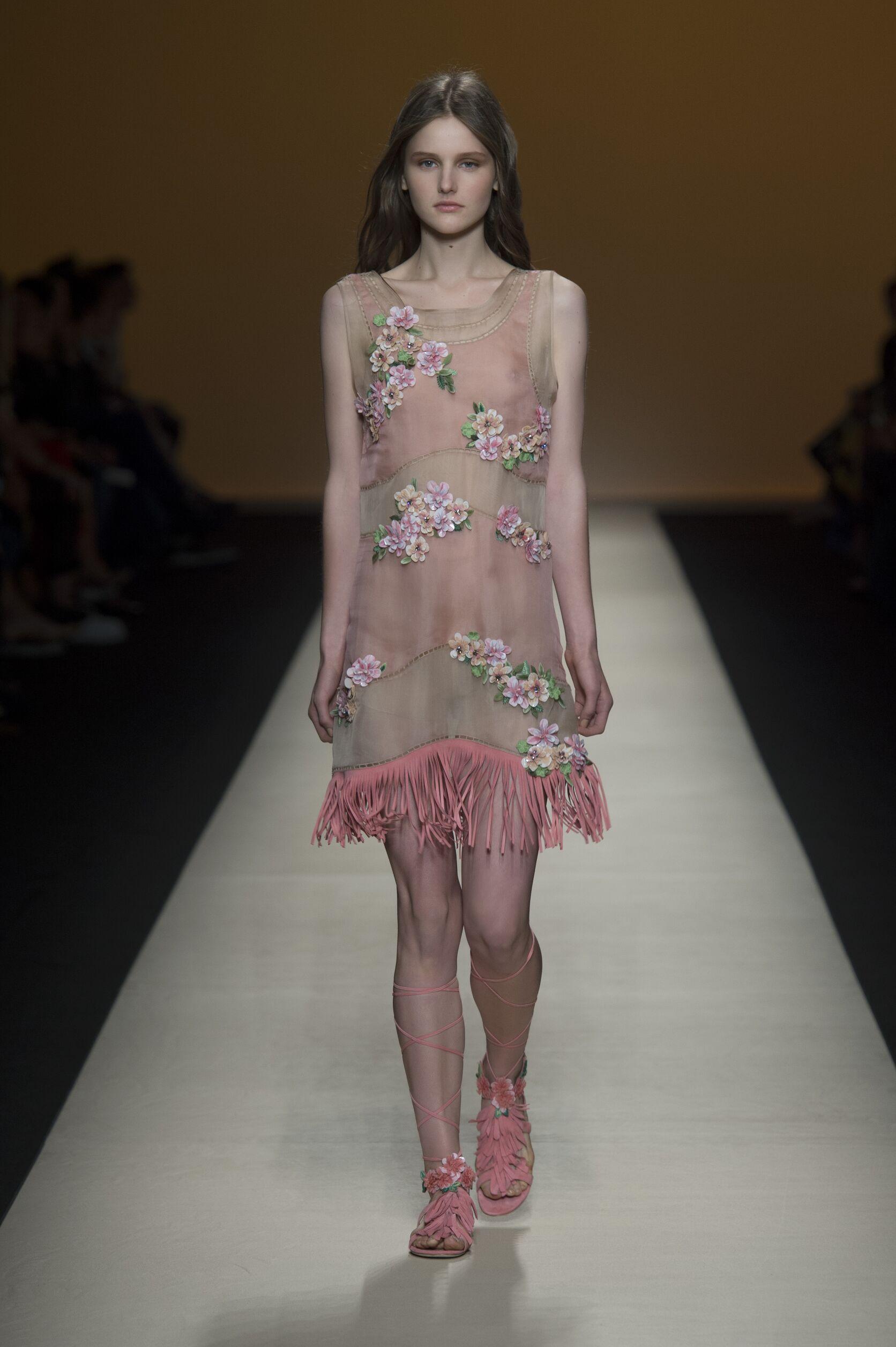 Spring Fashion 2015 Alberta Ferretti