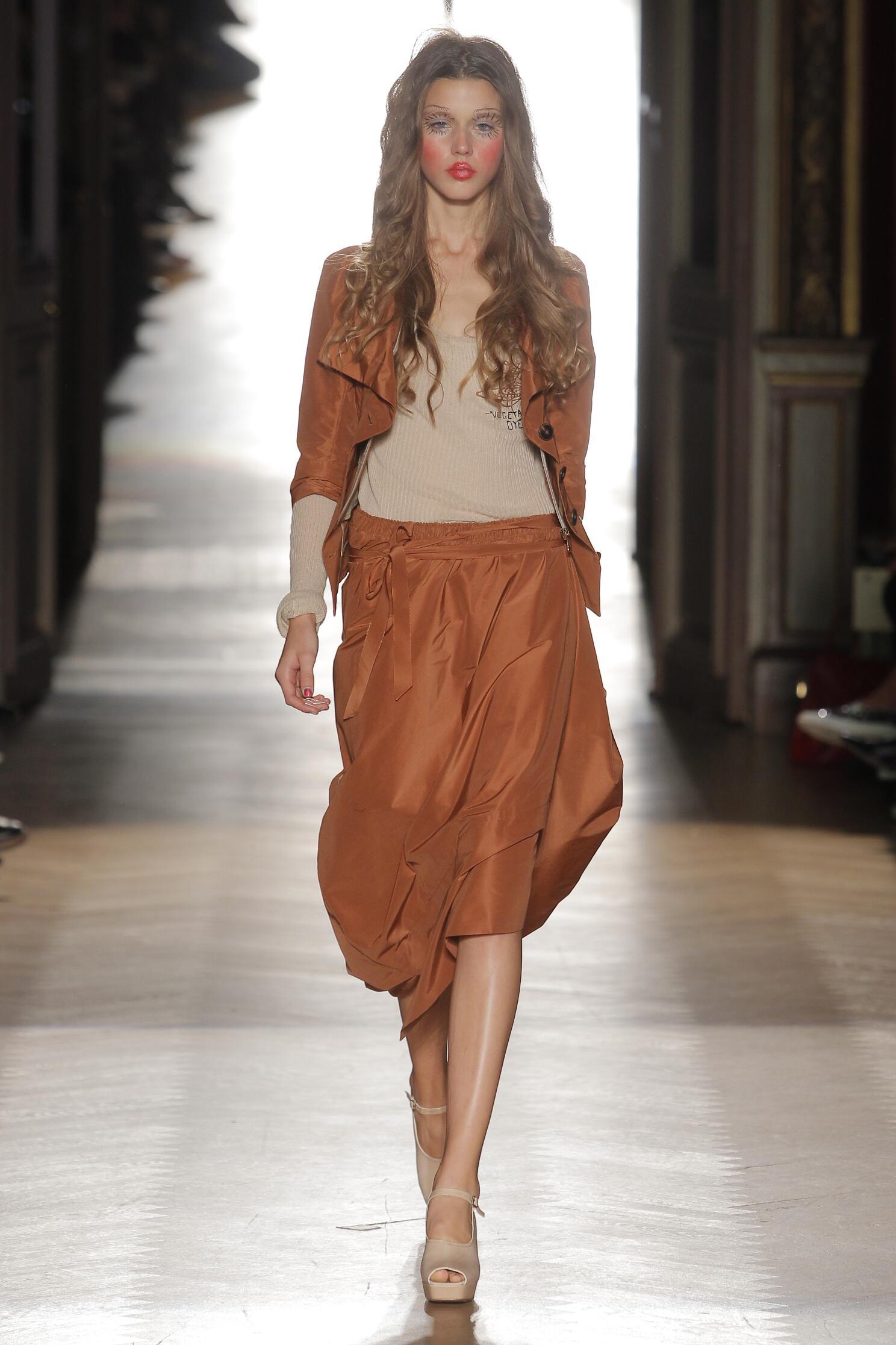 Spring Fashion 2015 Vivienne Westwood Gold Label