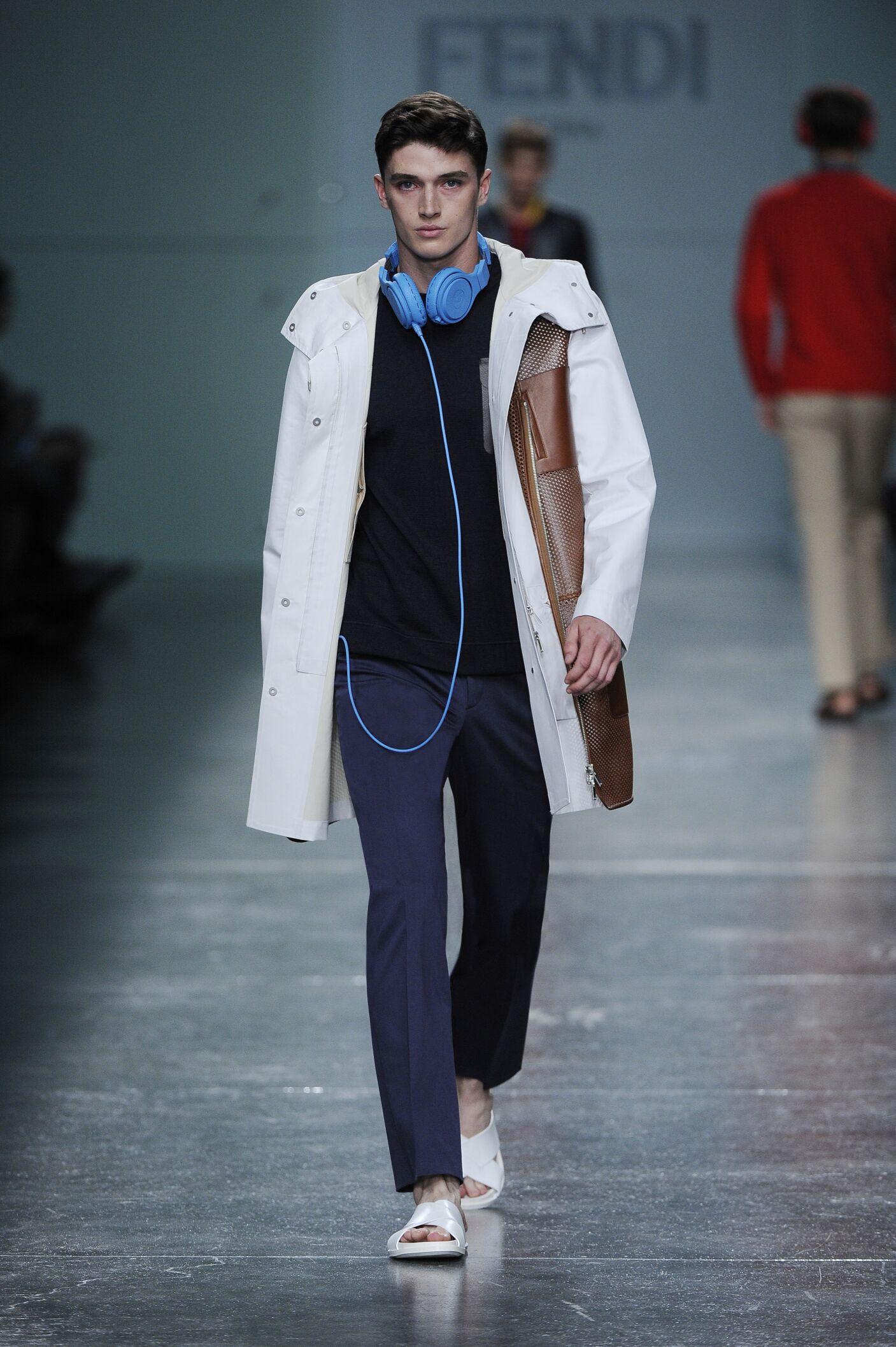 Spring Summer 2015 Fashion Model Fendi