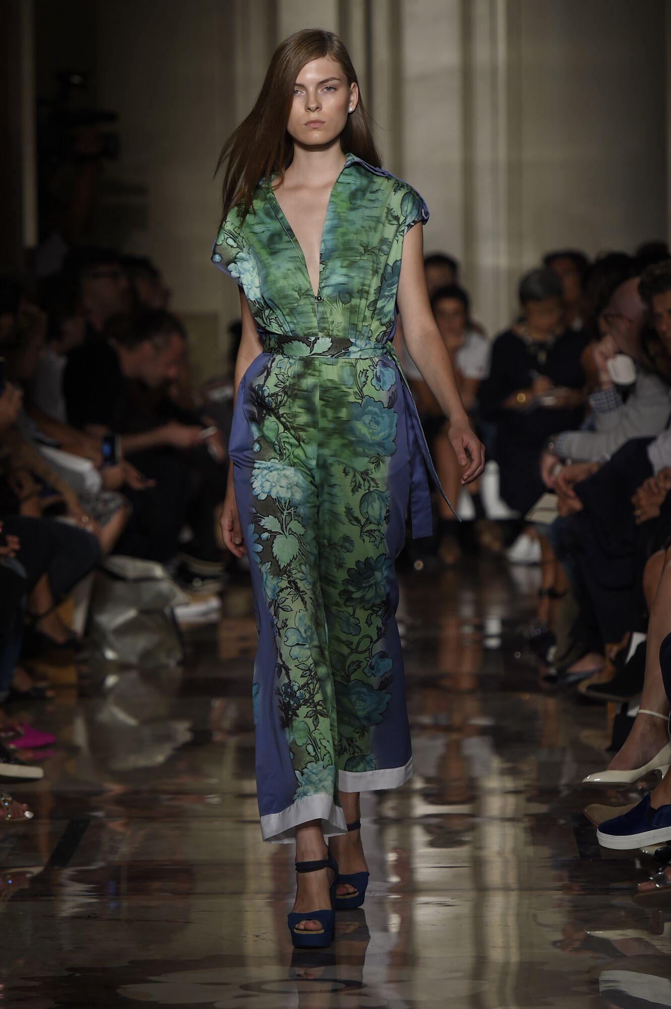 Summer 2015 Fashion Show Andrea Incontri Runway