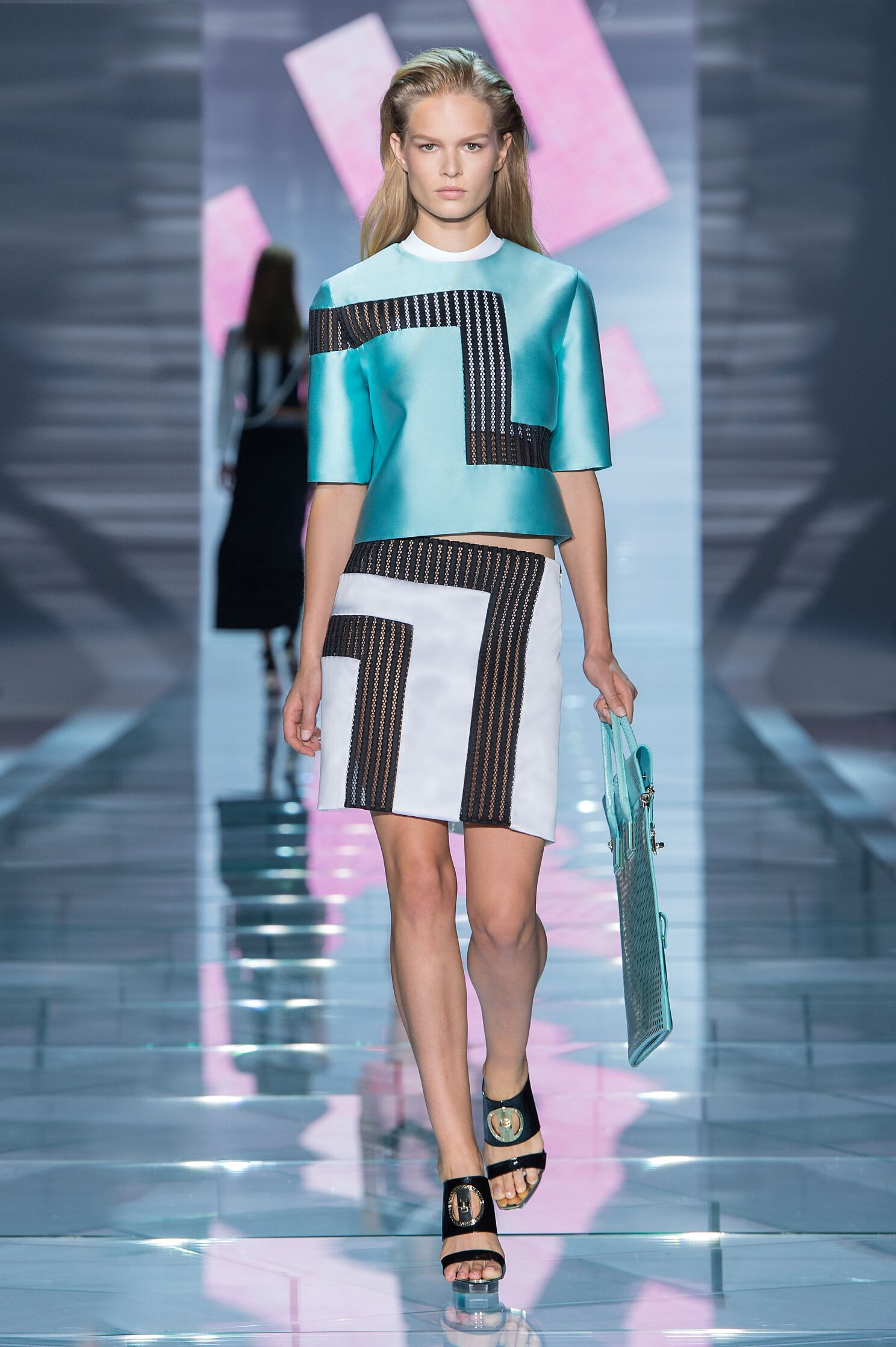 Fashion Trends: VERSACE SPRING SUMMER 2015 WOMEN'S COLLECTION