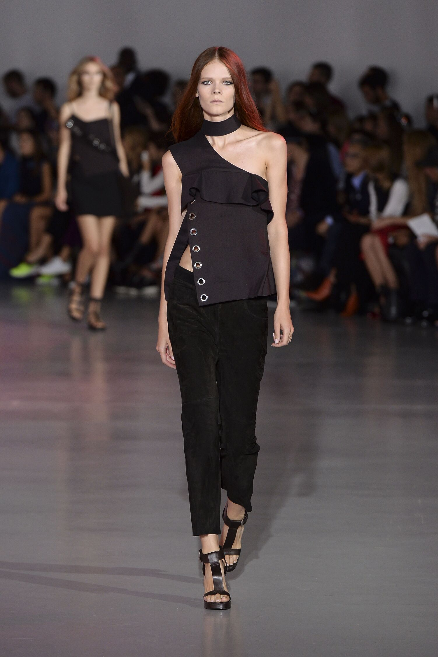 Summer 2015 Woman Fashion Show Costume National