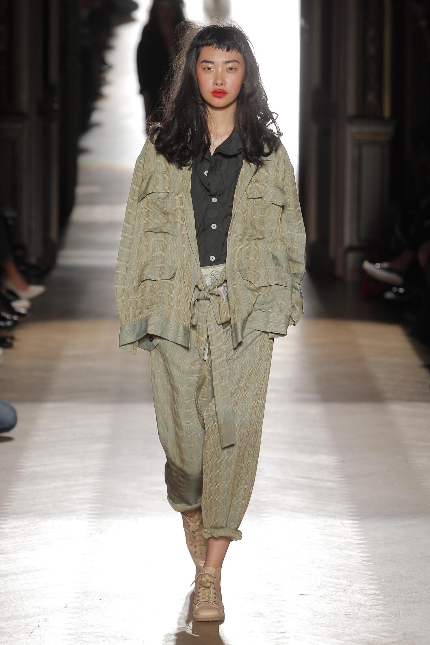 Vivienne Westwood Gold Label Fashion Show