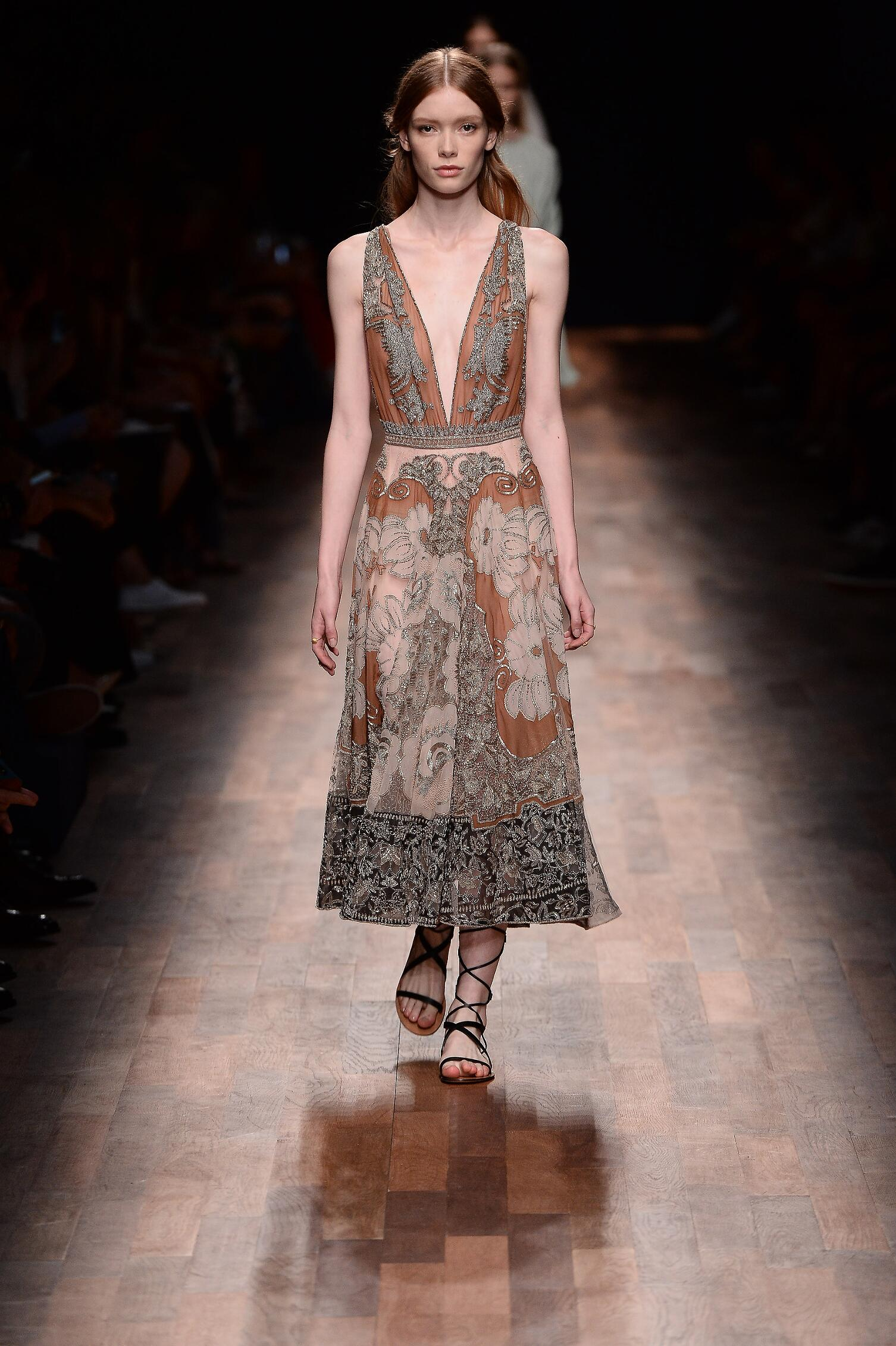 2015 Catwalk Valentino Summer Womenswear Paris