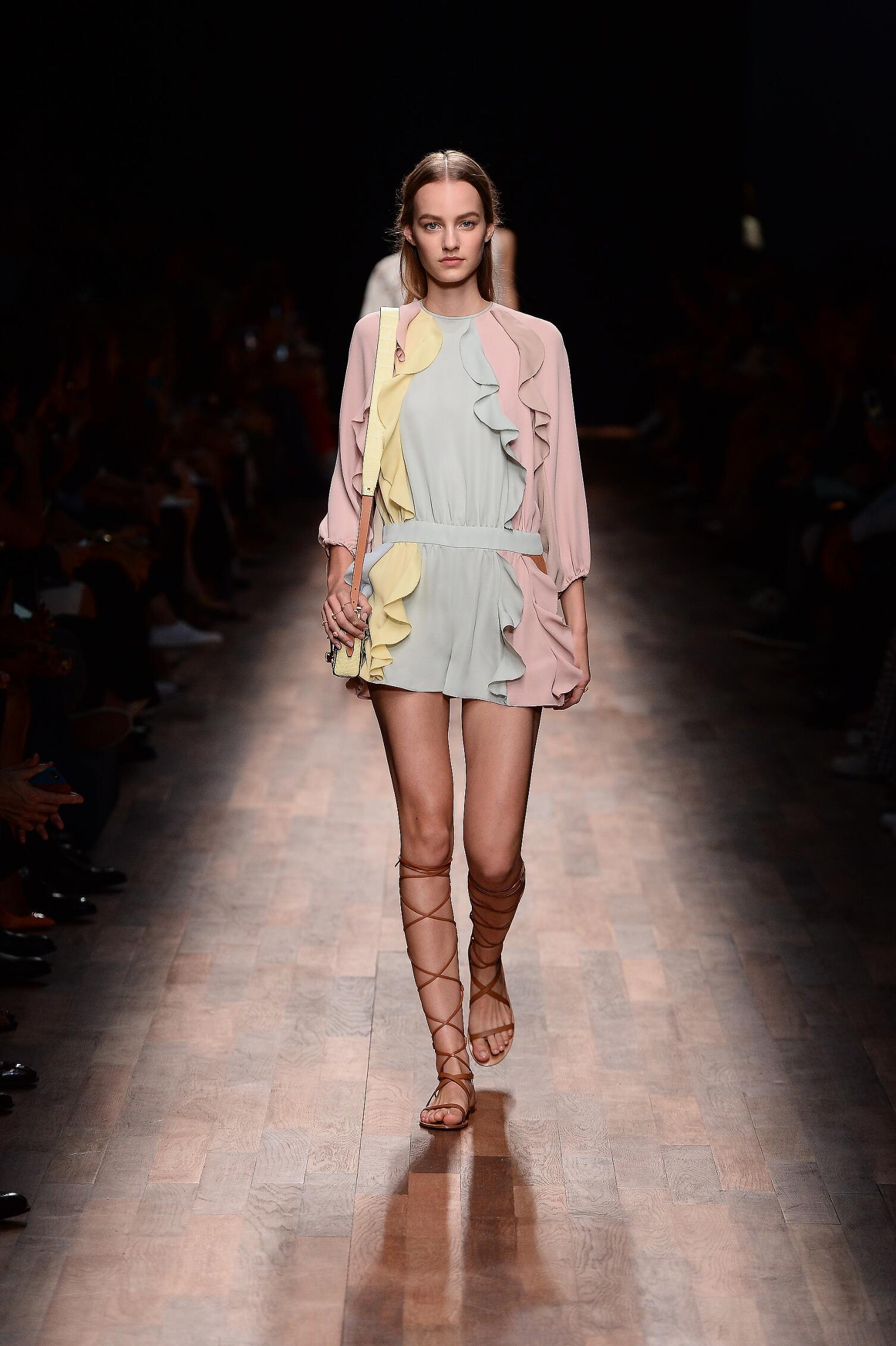 2015 Catwalk Valentino Woman Fashion Show Summer