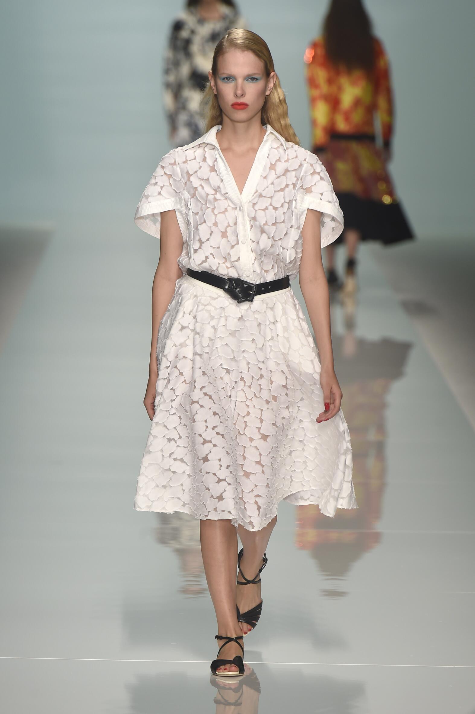 2015 Woman Style Emanuel Ungaro