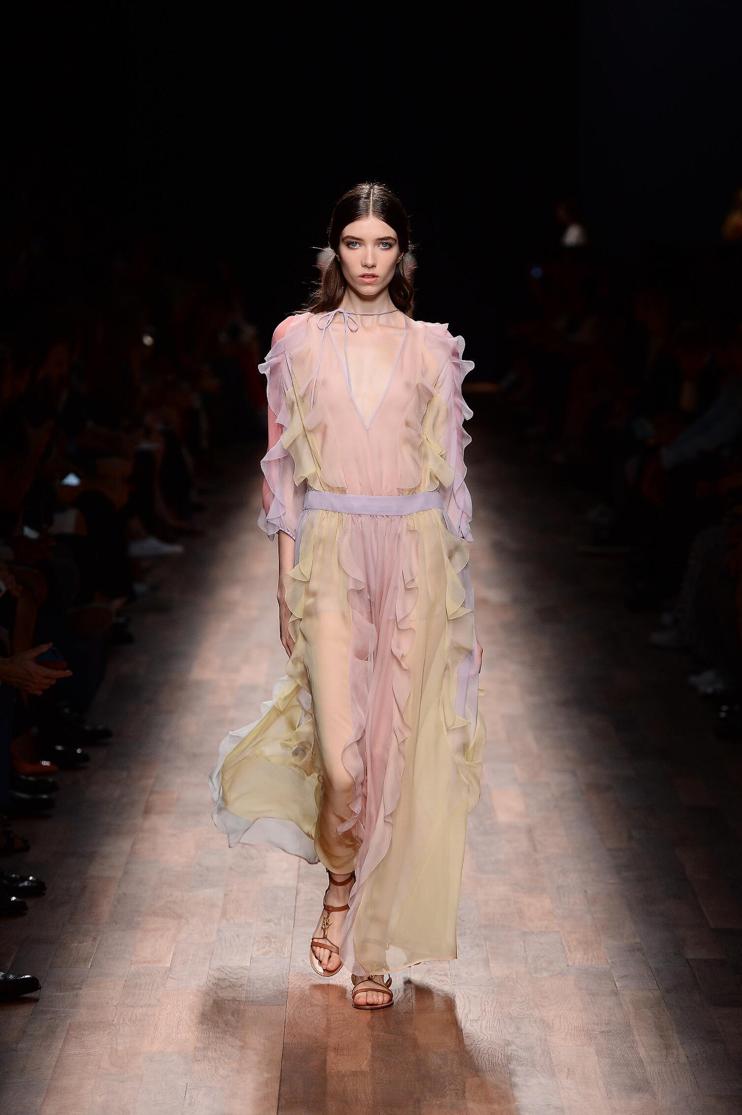 2015 Woman Style Valentino