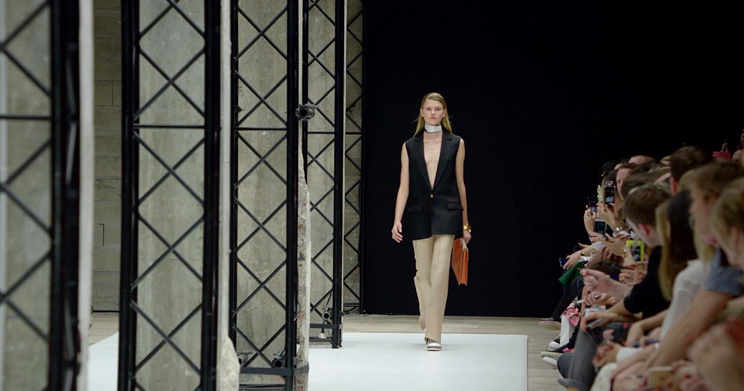 Acne Studios Spring Summer 2015 Women's Fashion Show - Paris Fashion Week