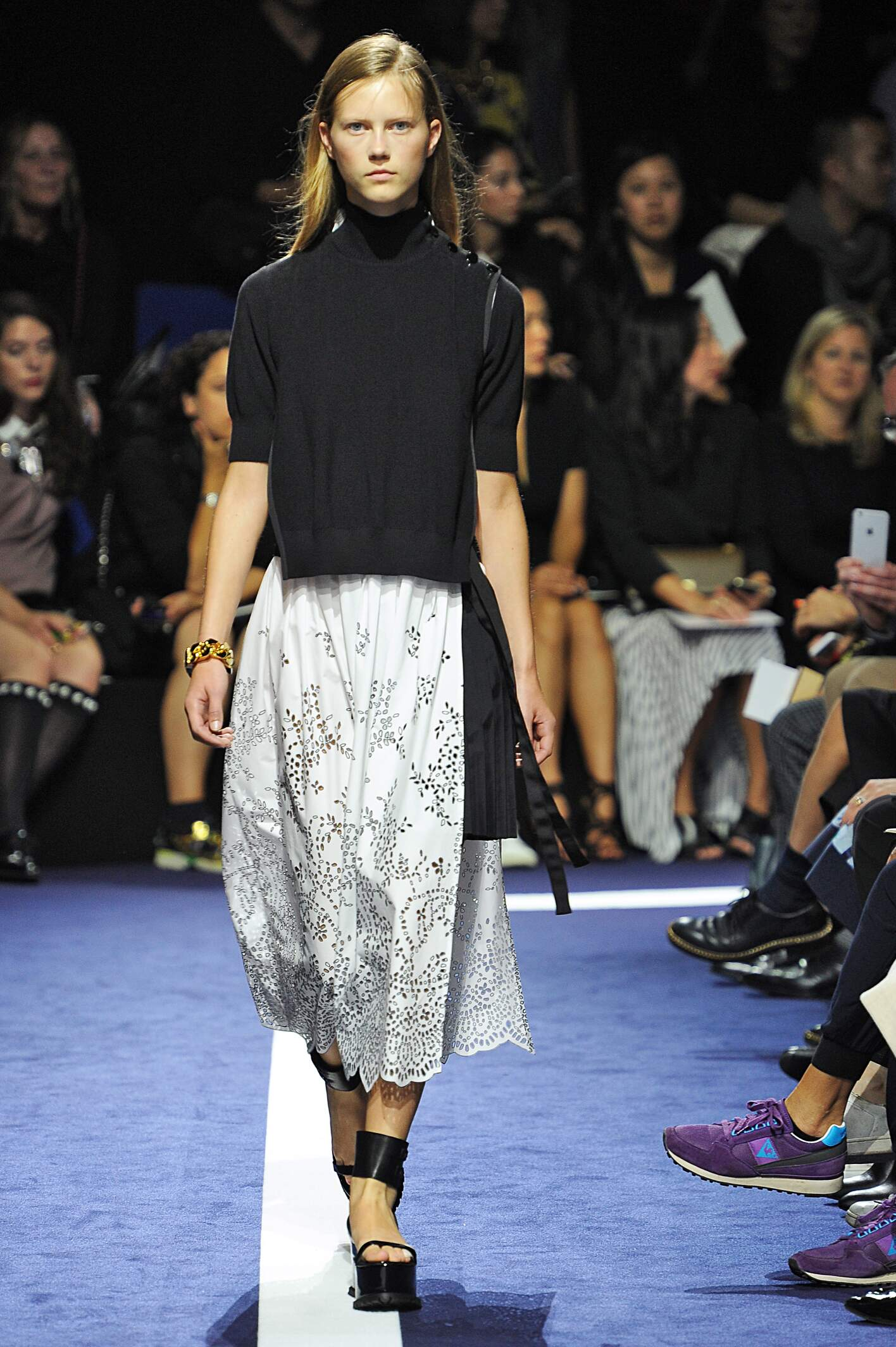 Catwalk Sacai Woman Fashion Show Summer 2015