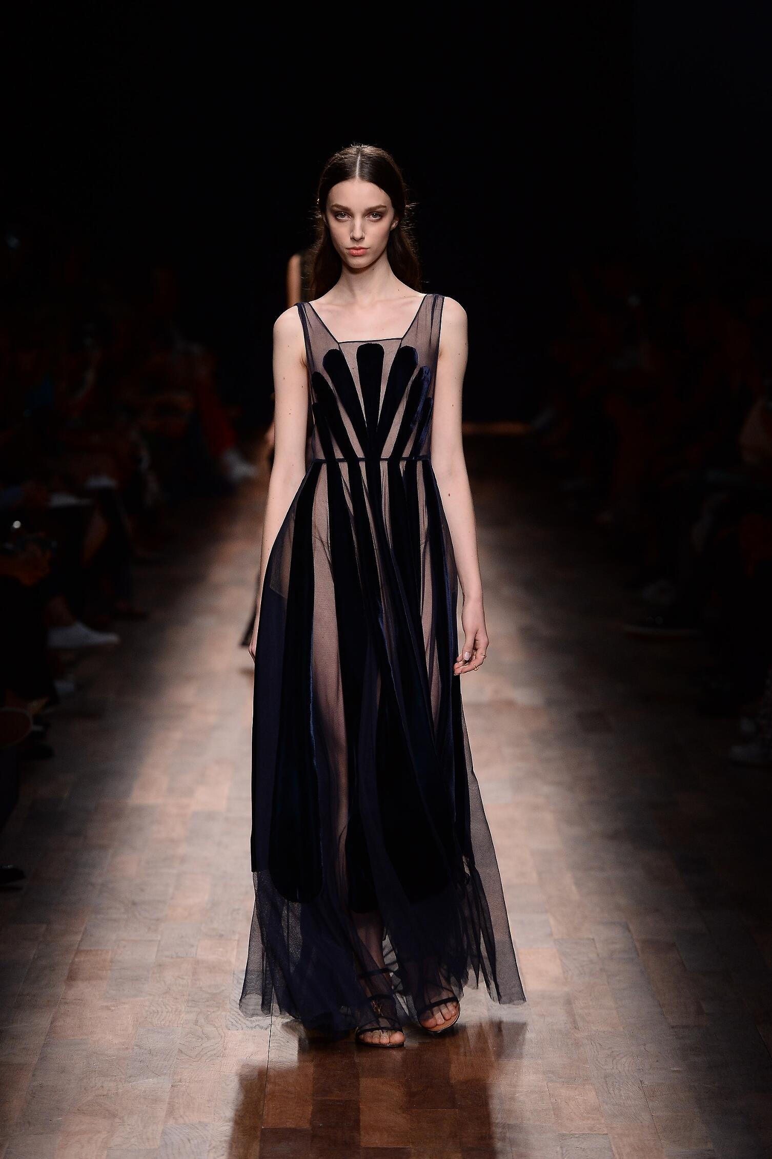 Catwalk Valentino Woman Fashion Show Summer 2015 Paris