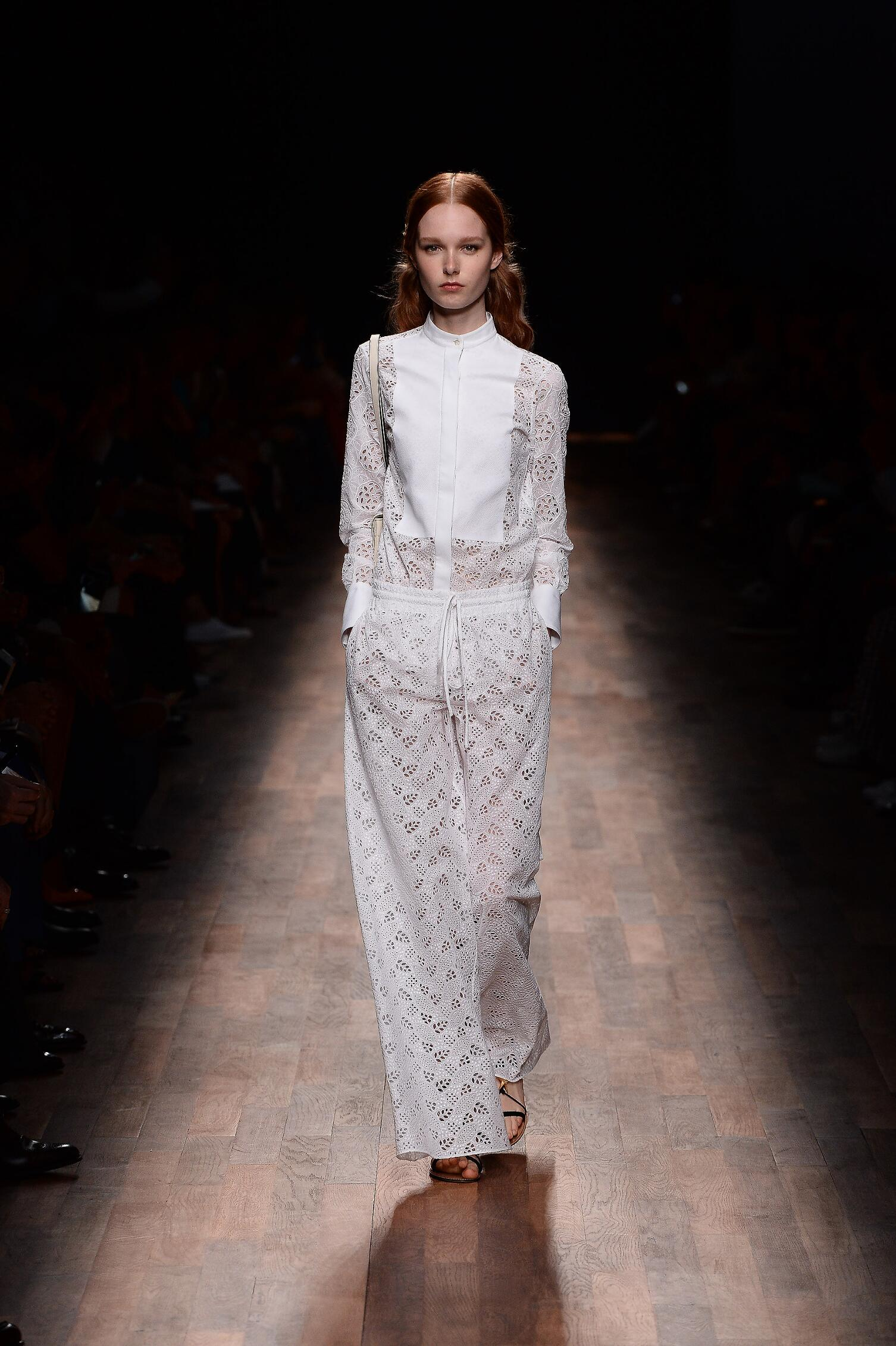 Catwalk Valentino Woman Fashion Show Summer 2015