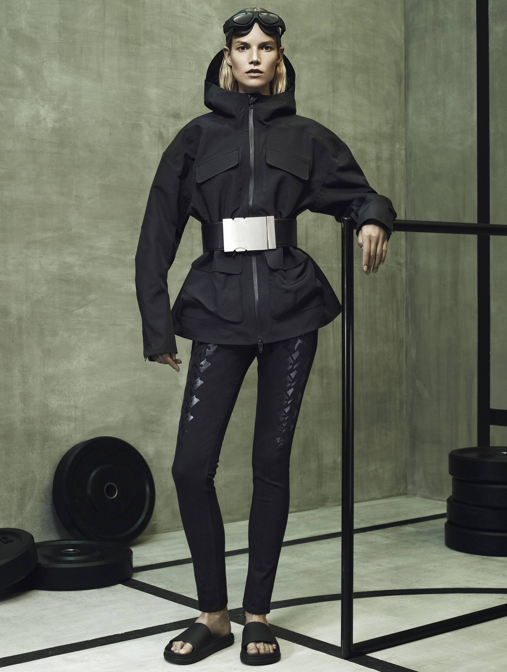 See Rihanna wearing head-to-toe Alexander Wang x H&M on multiformo.tk