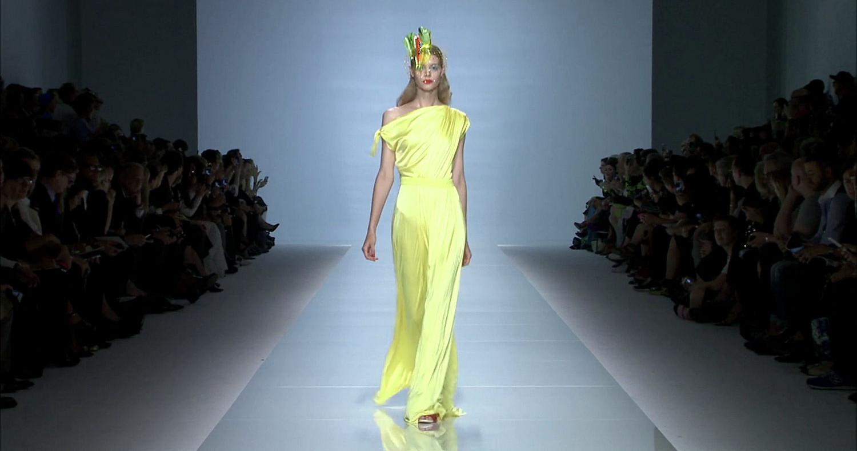 Emanuel Ungaro Spring Summer 2015 Women's Fashion Show - Paris Fashion Week