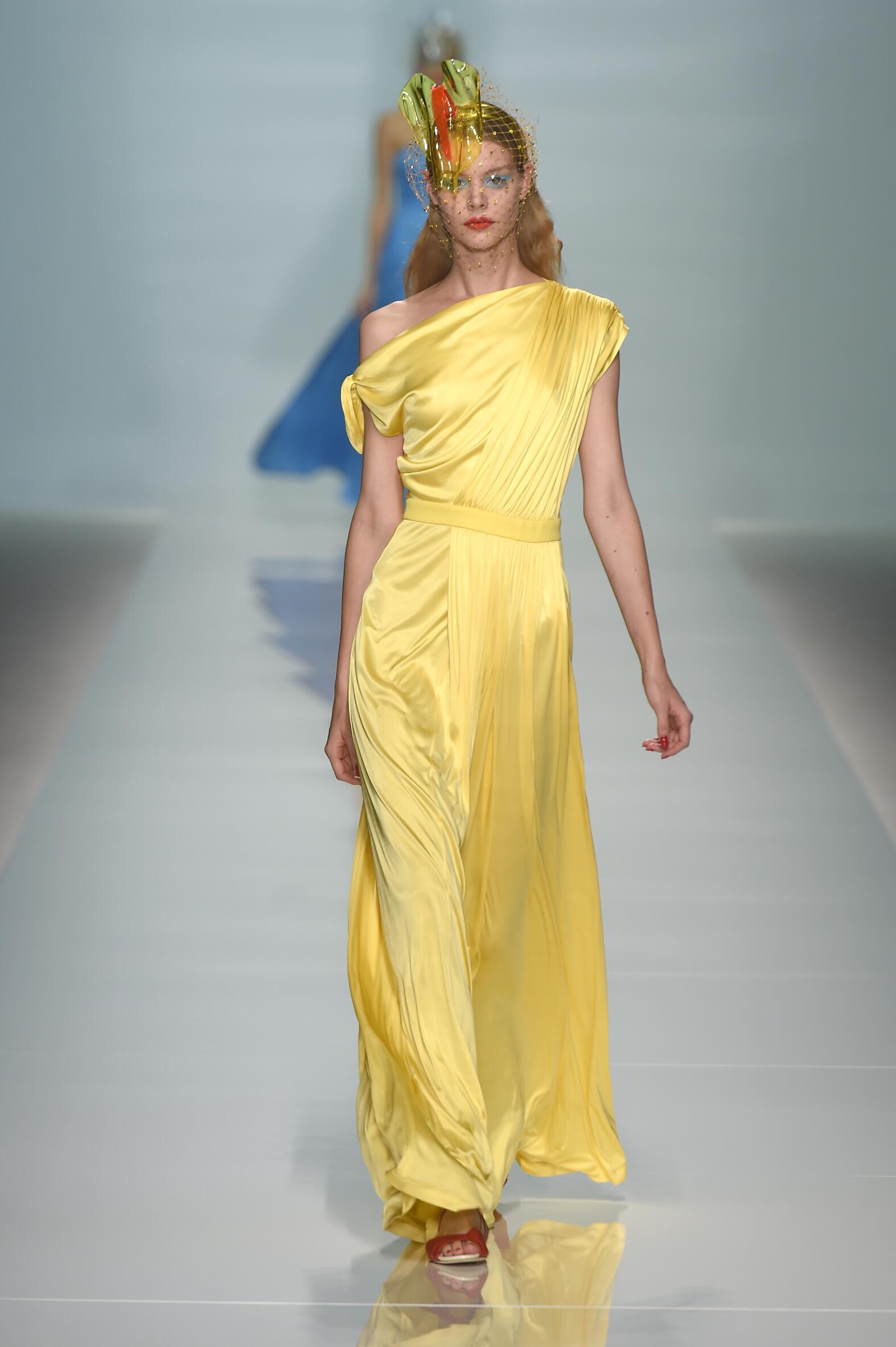 Emanuel Ungaro Woman Paris Fashion Week