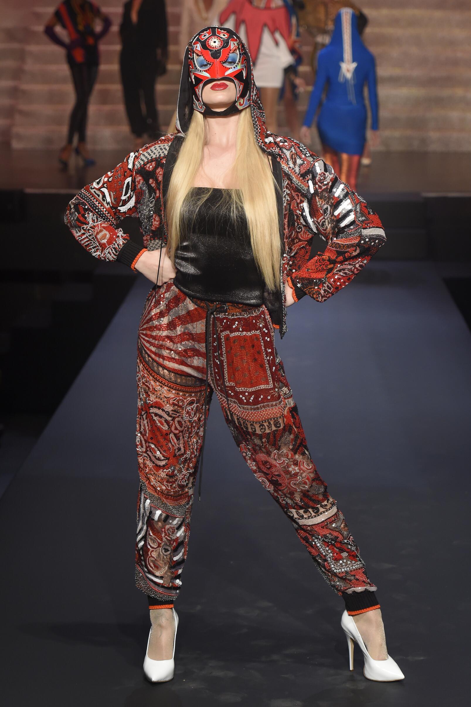 Fashion 2015 Woman Style Jean Paul Gaultier Paris Womenswear Paris