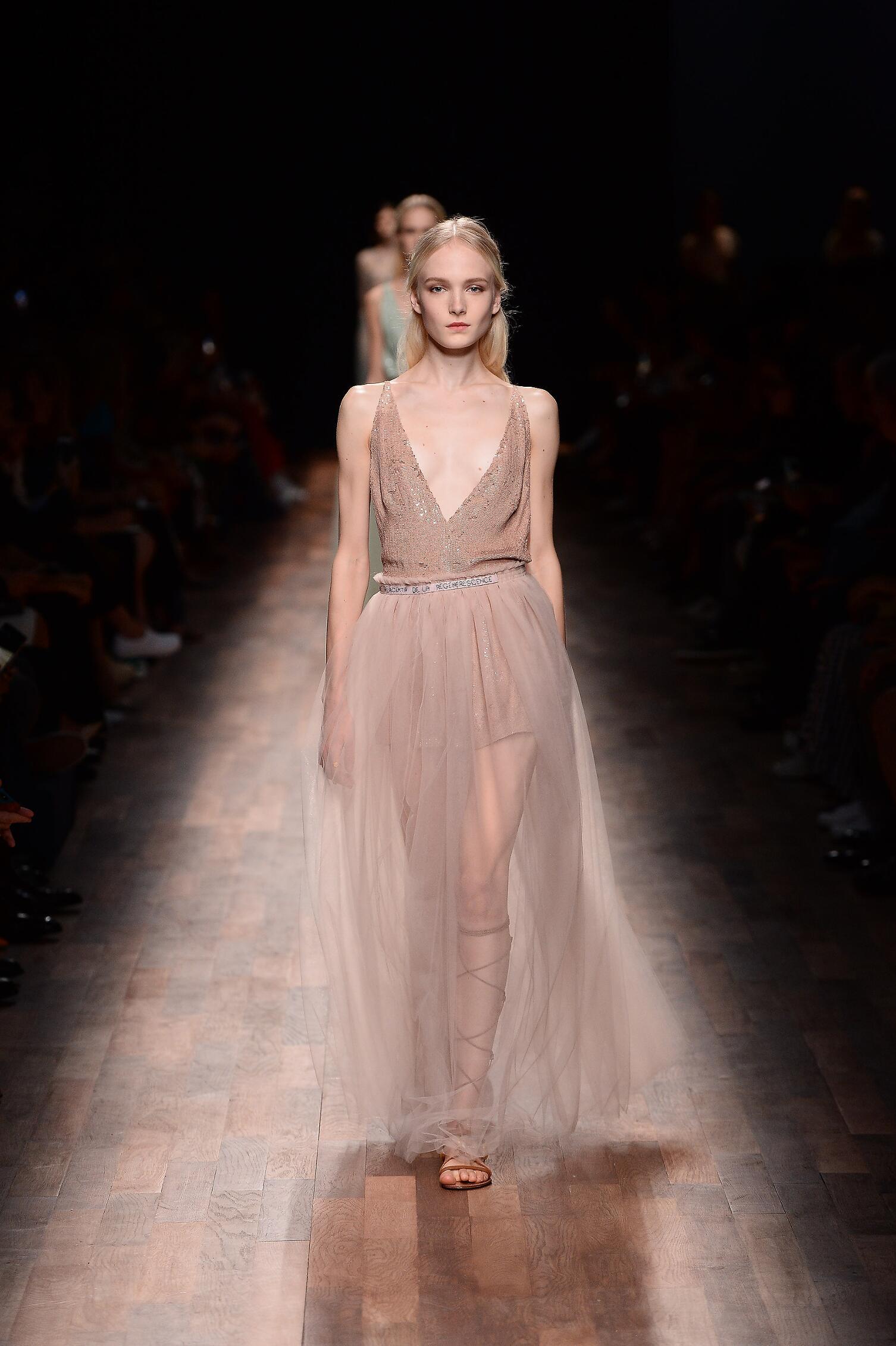 Fashion 2015 Woman Style Valentino Paris Womenswear Paris