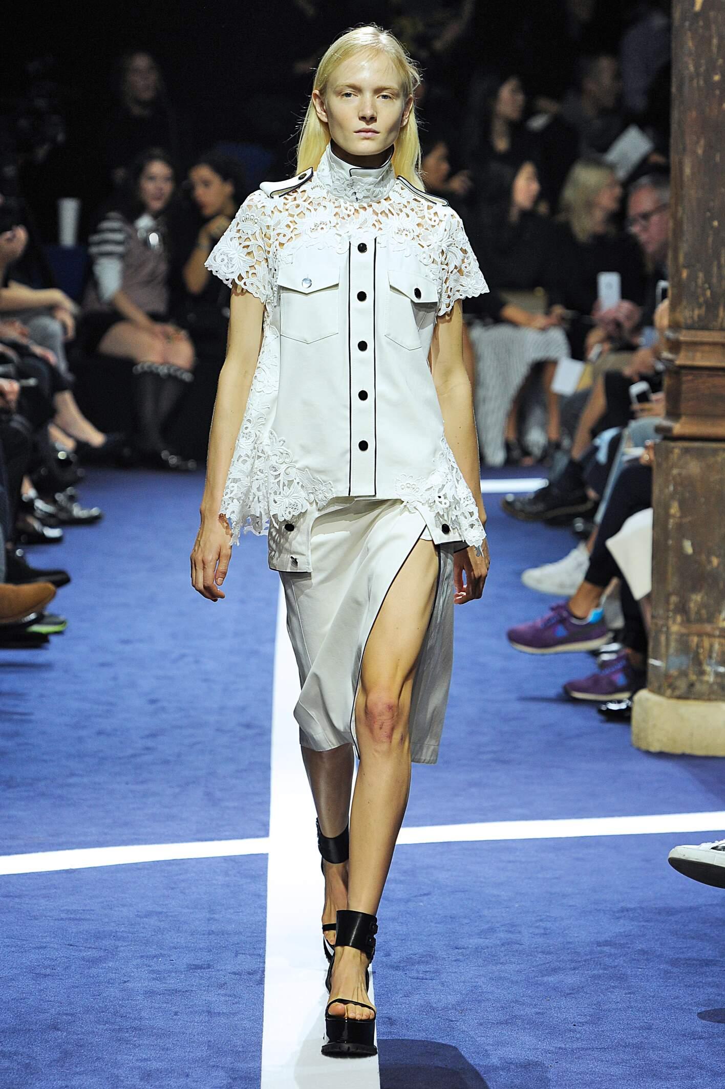Fashion Woman Model Sacai Catwalk