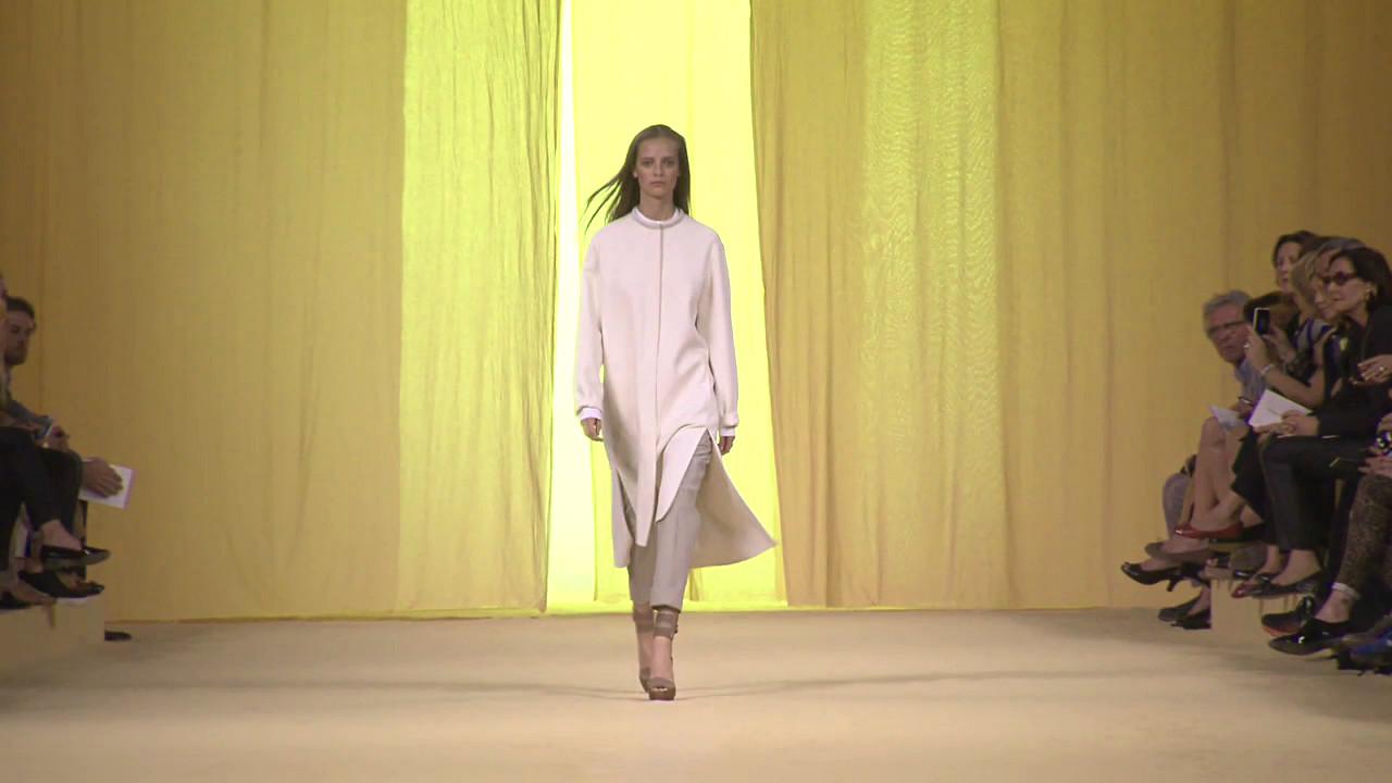 Hermès Spring Summer 2015 Women's Fashion Show - Paris Fashion Week