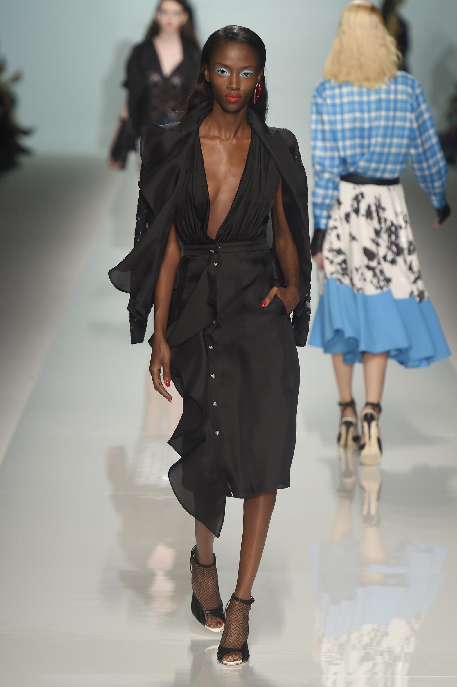 Runway Emanuel Ungaro Spring Summer 2015 Women's Collection Paris Fashion Week