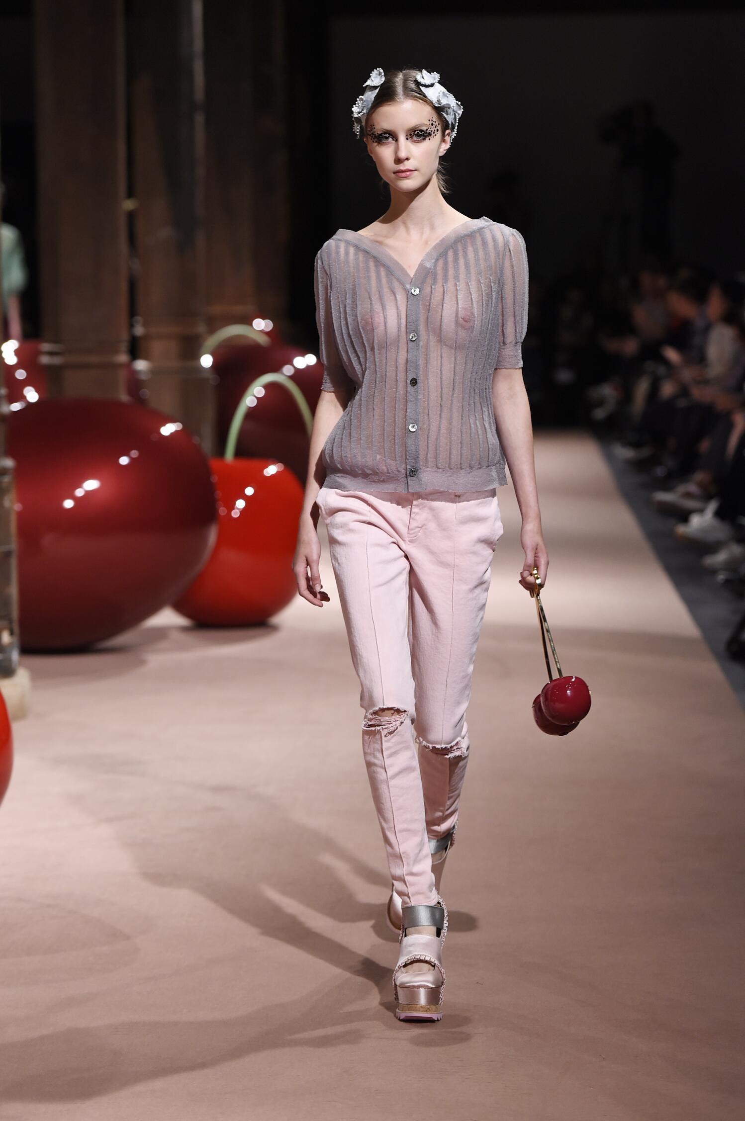 Runway Undercover Spring Summer 2015 Women's Collection Paris Fashion Week