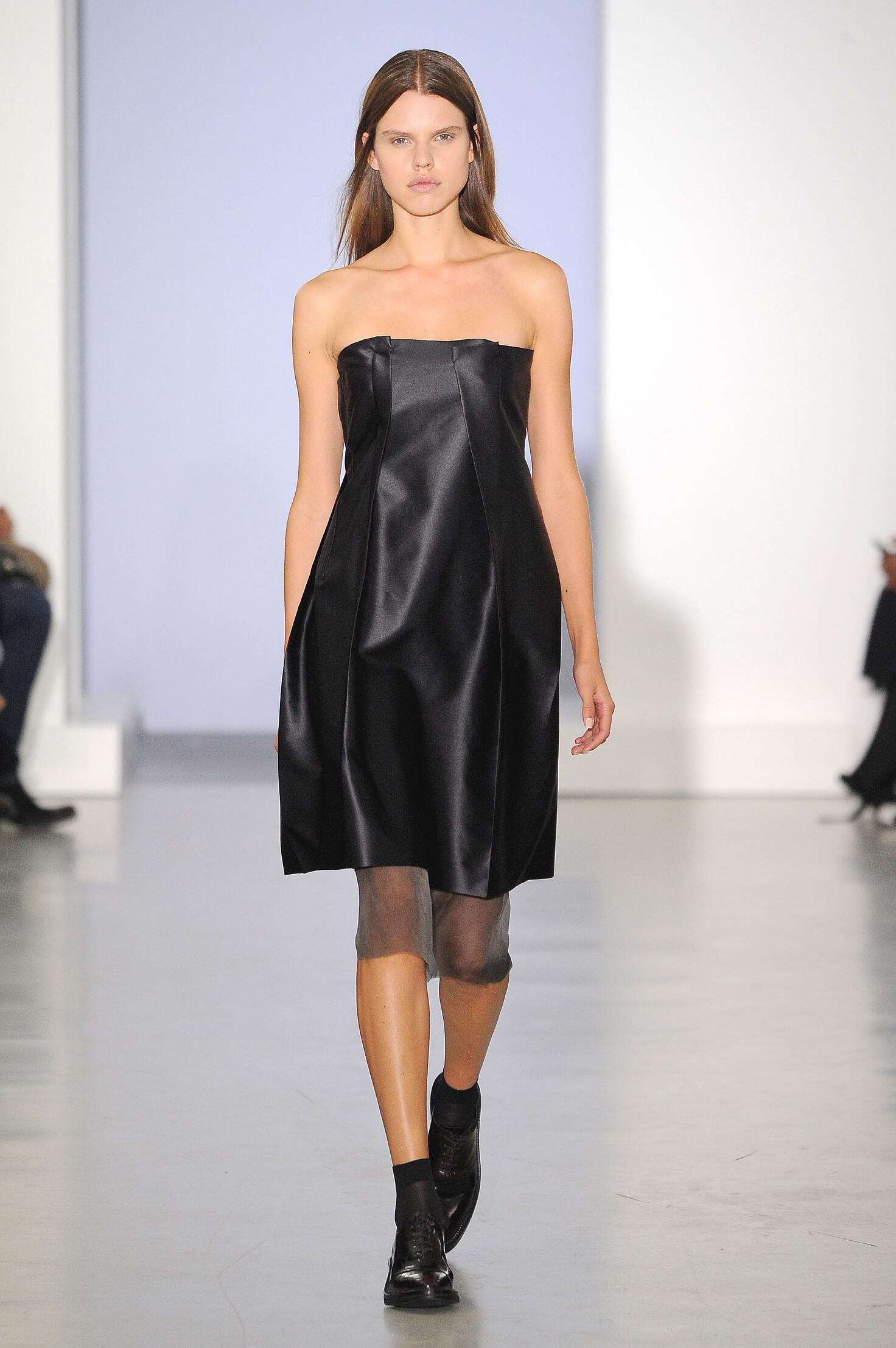Runway Yang Li Spring Summer 2015 Women's Collection Paris Fashion Week