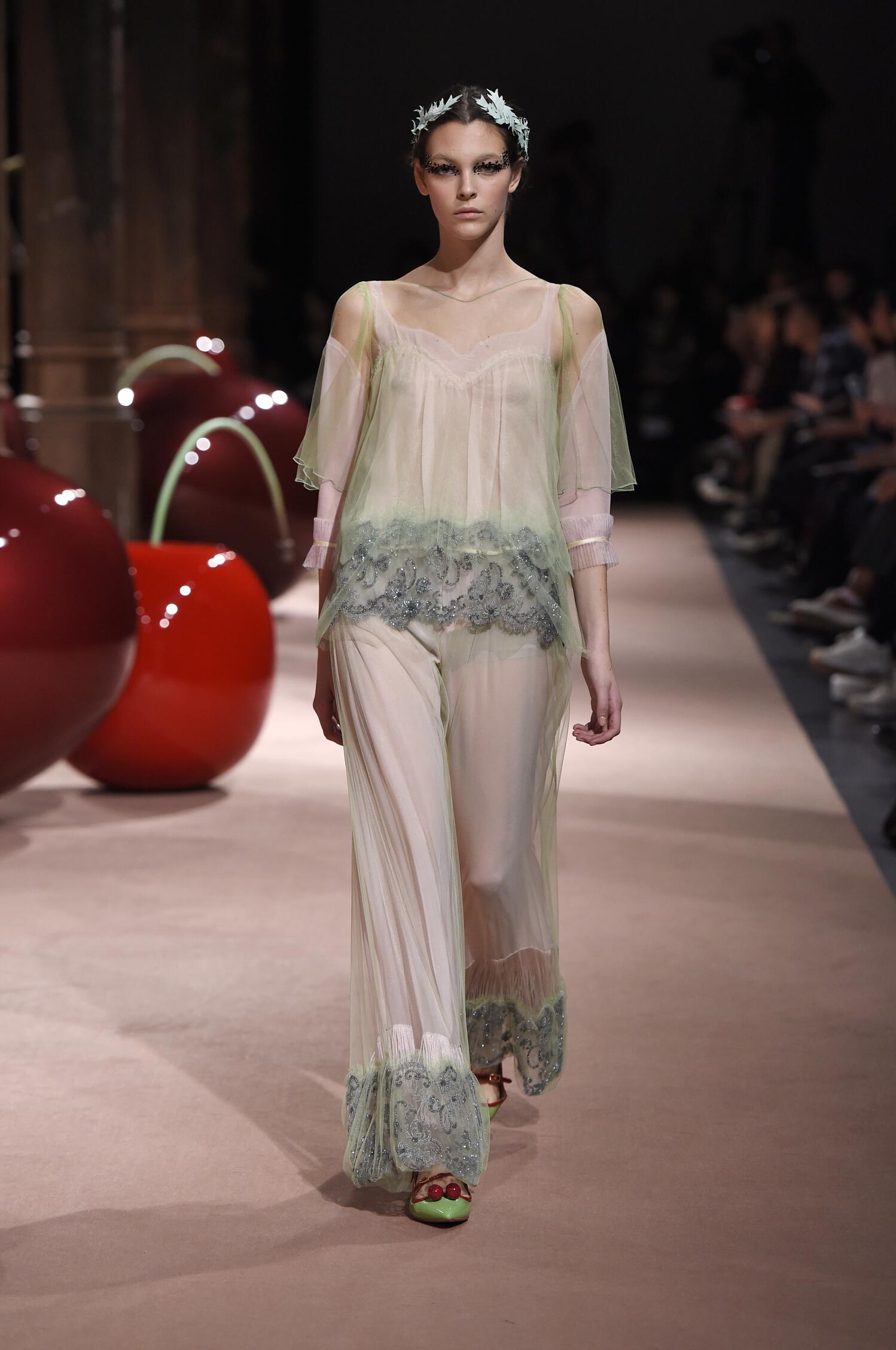 Spring Summer 2015 Fashion Model Undercover