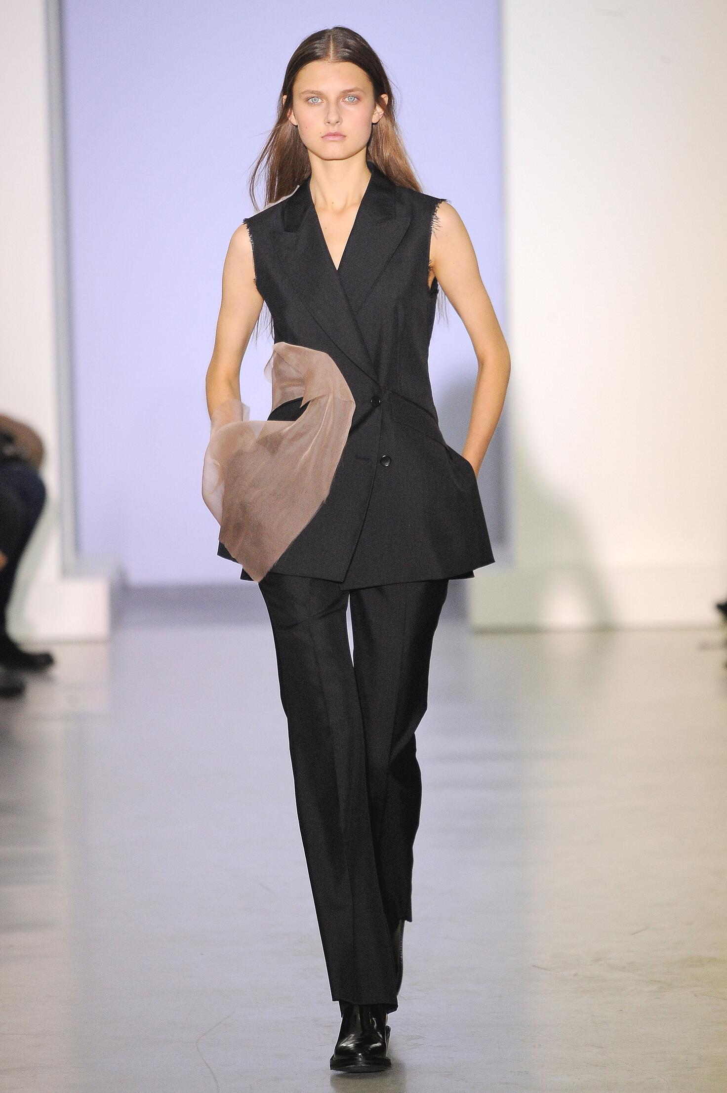 Yang Li Woman Paris Fashion Week