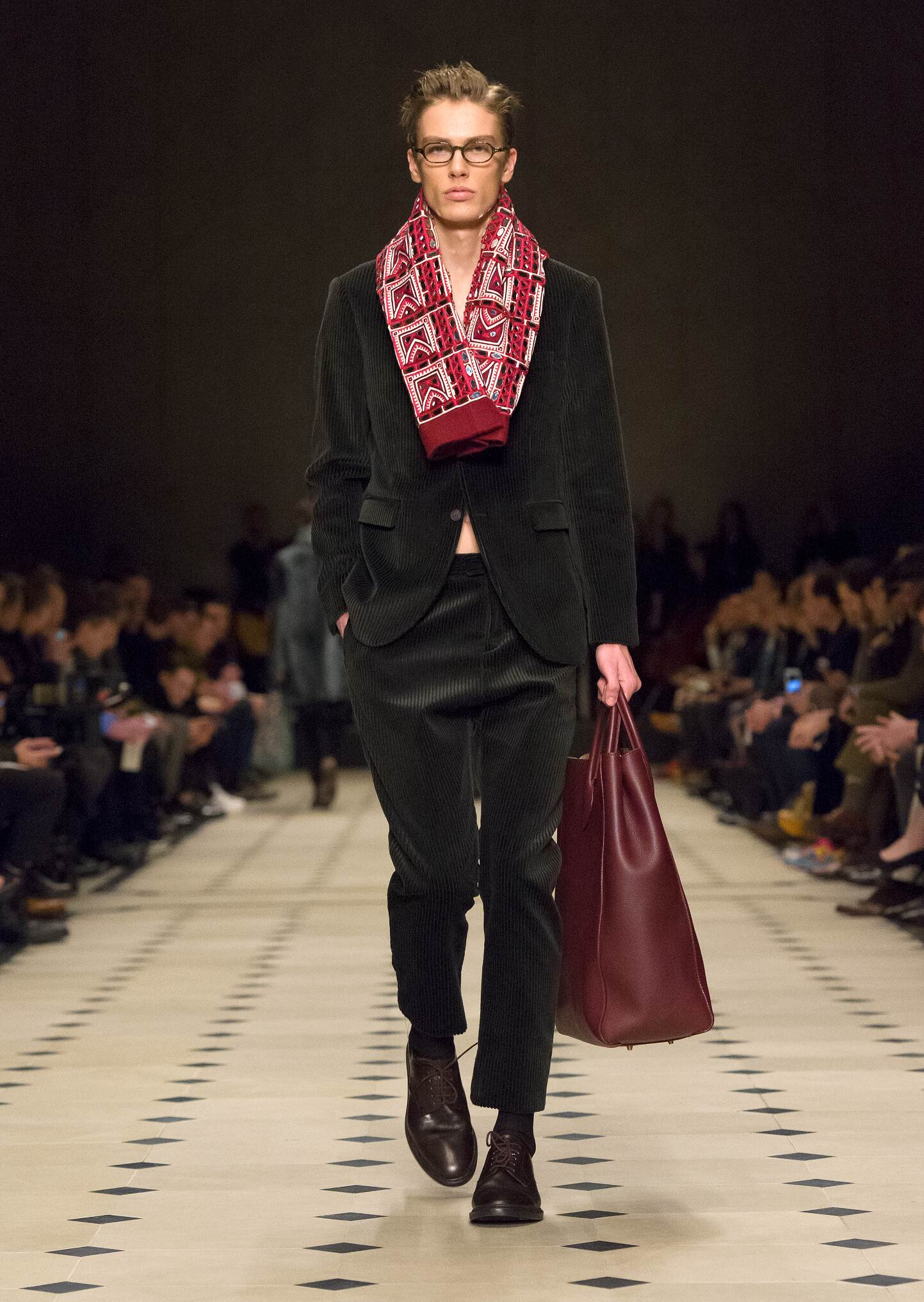 2015 Burberry Prorsum Fall Catwalk