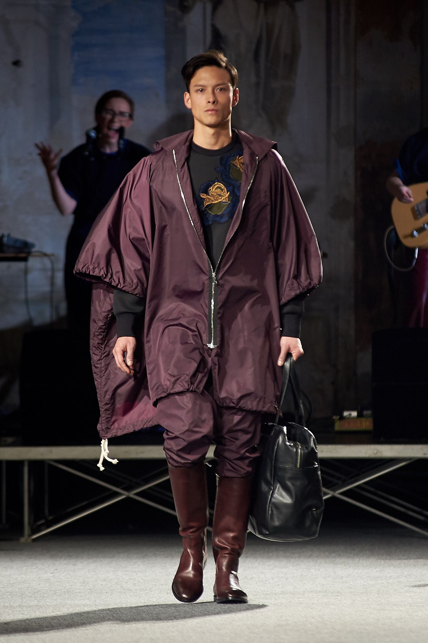 Andrea Incontri Fall 2015 Catwalk